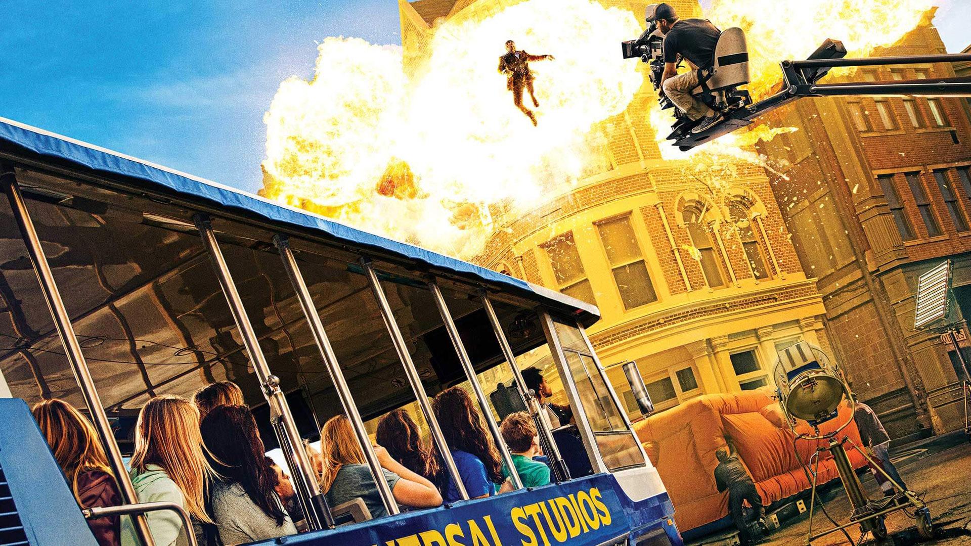 El Studio tour, ofrece un recorrido en tren en el cual van apareciendo escenarios y escenas en 3D de míticas películas