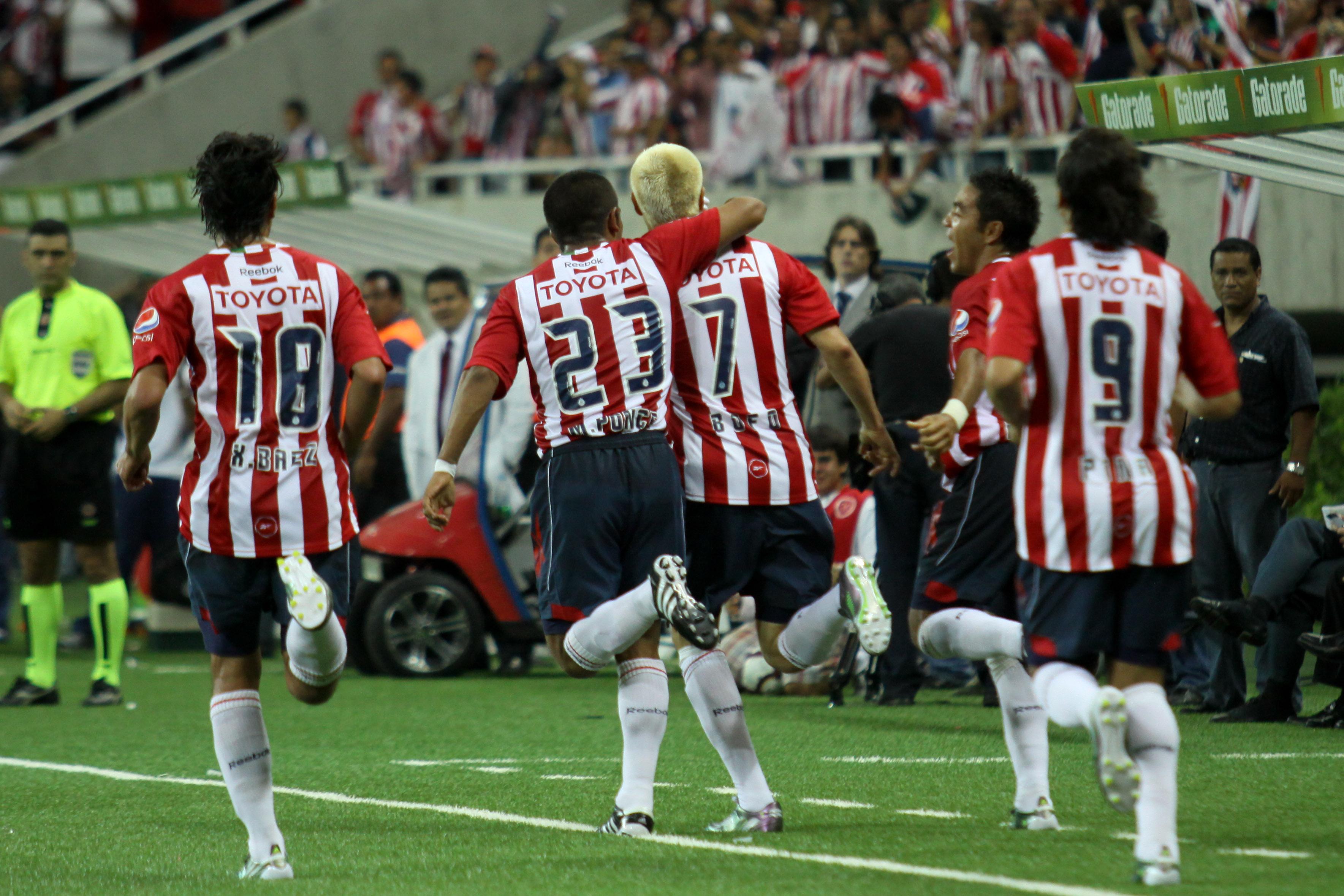 Chivas también jugó una final, pero la perdió ante los brasileños del Internacional de Porto Alegre (Foto: Rodolfo Angulo/ Cuartoscuro)
