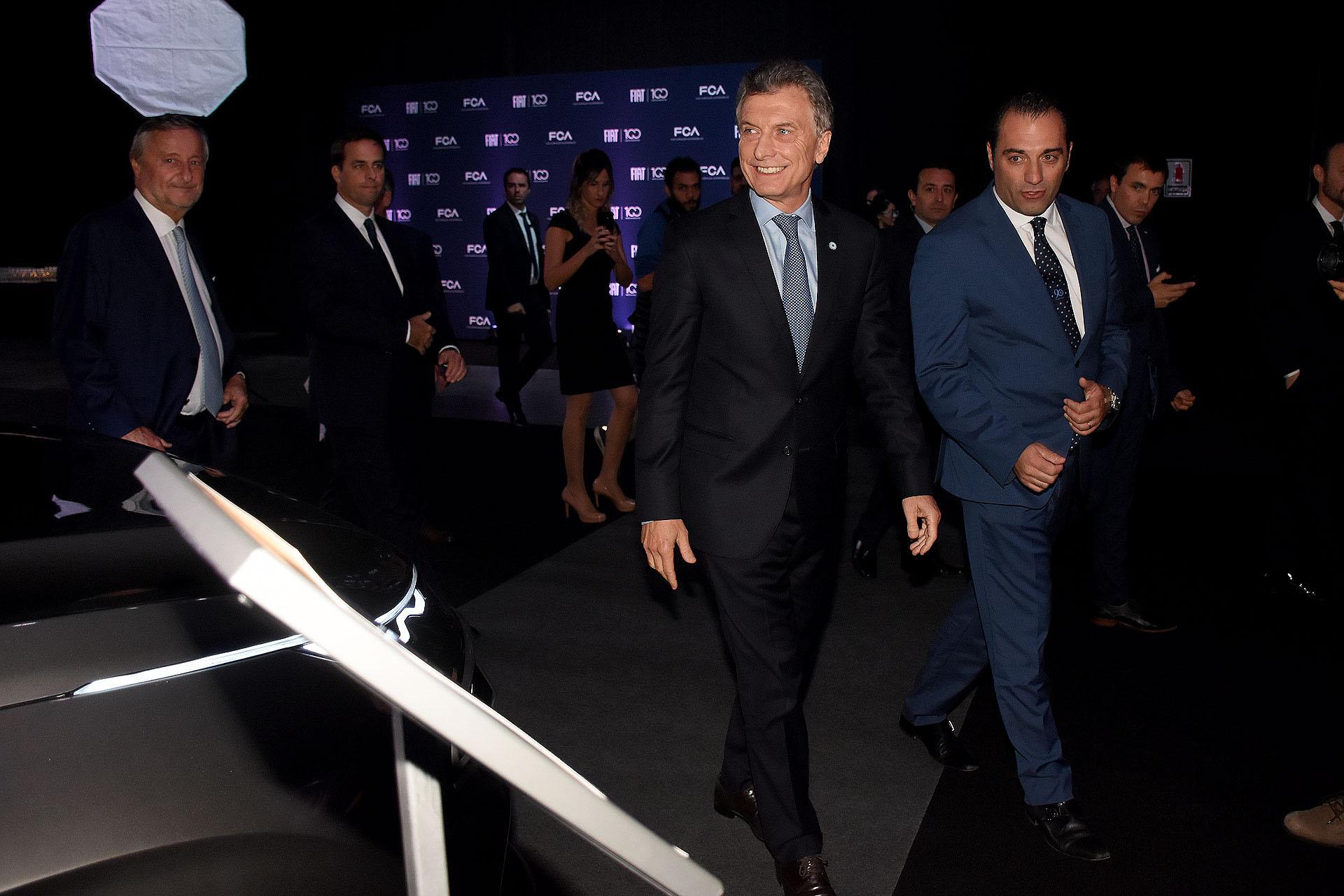 """Mauricio Macri y Antonio Filosa, quien expresó: """"Hoy no celebramos el fin de un ciclo histórico: nos juntamos, en verdad, para sumar fuerzas para hacer frente a un nuevo siglo de desafíos y oportunidades que se abren delante de nosotros"""""""
