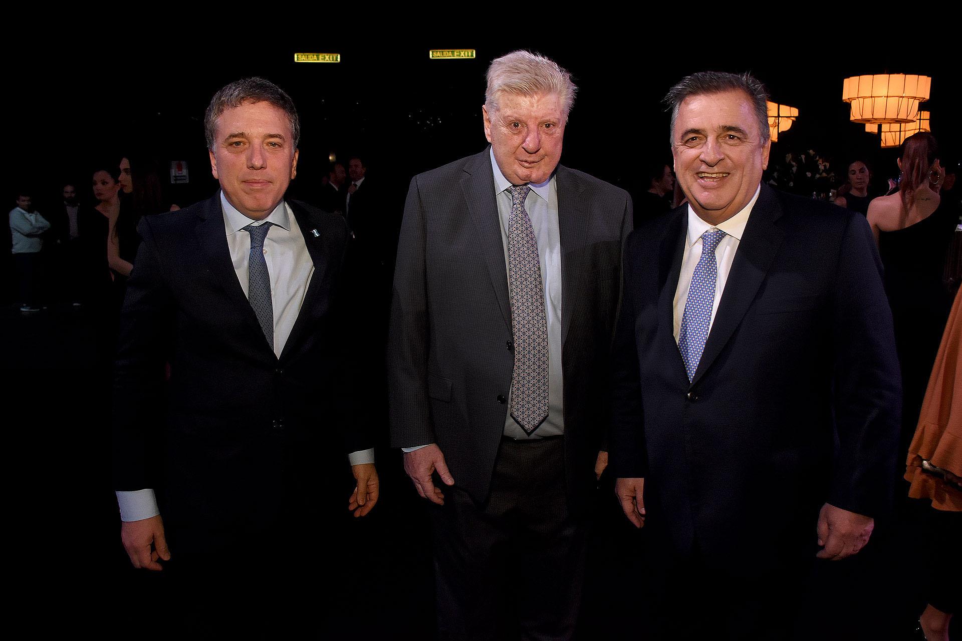 Nicolás Dujovne, Miguel Bein y el diputado Mario Negri