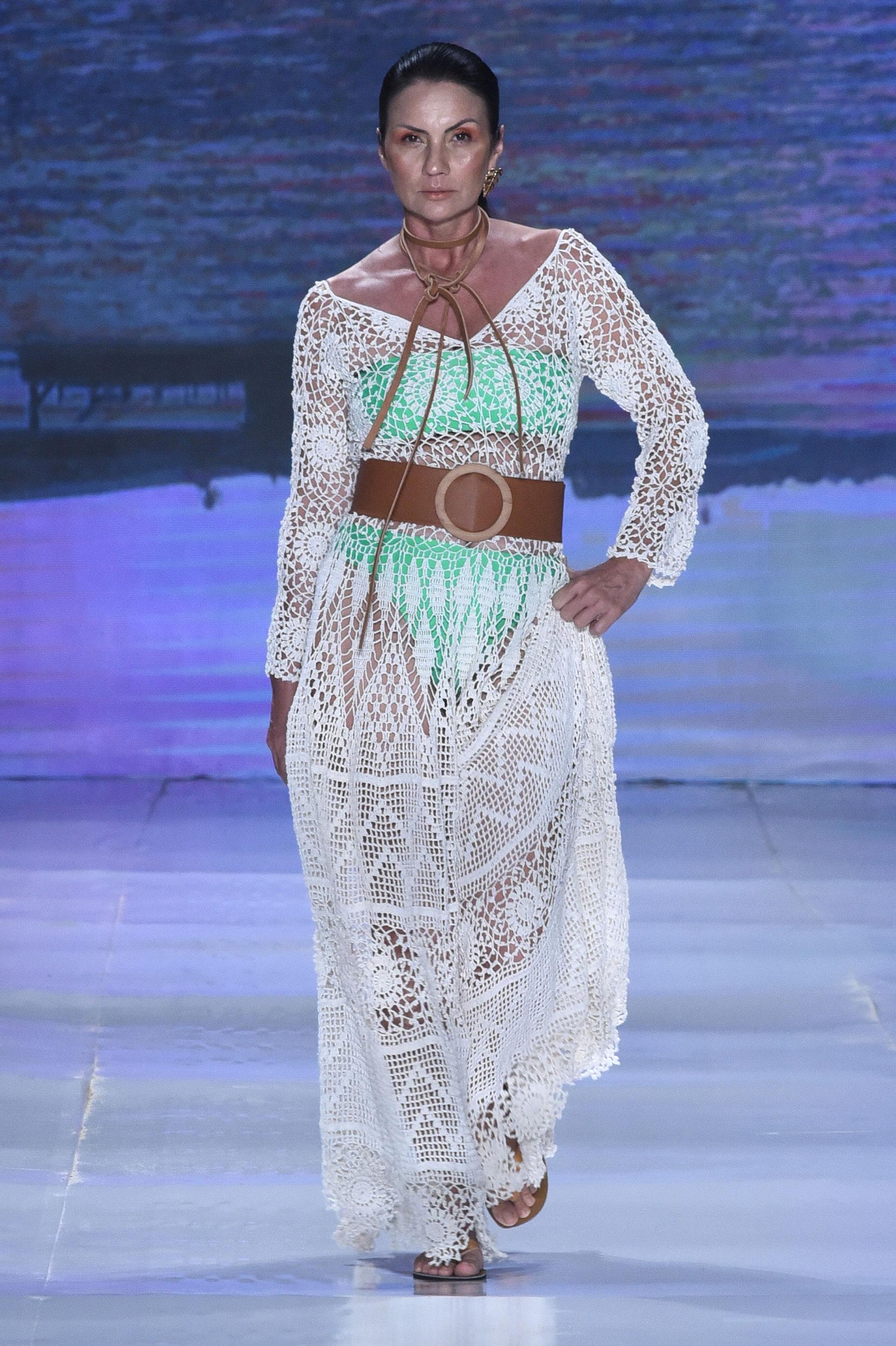 La modelo Sandra Luck recibió un homenaje por ser la modelo más representativa de Dragao Fashion (Rota Jeri).