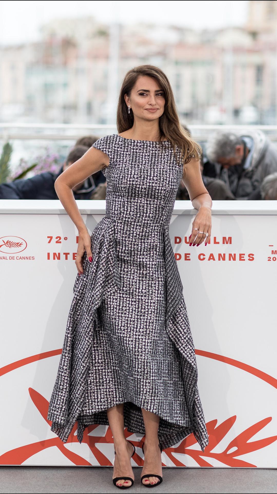 Penélope Cruz eligió otro vestido de Chanel. Muy chic.