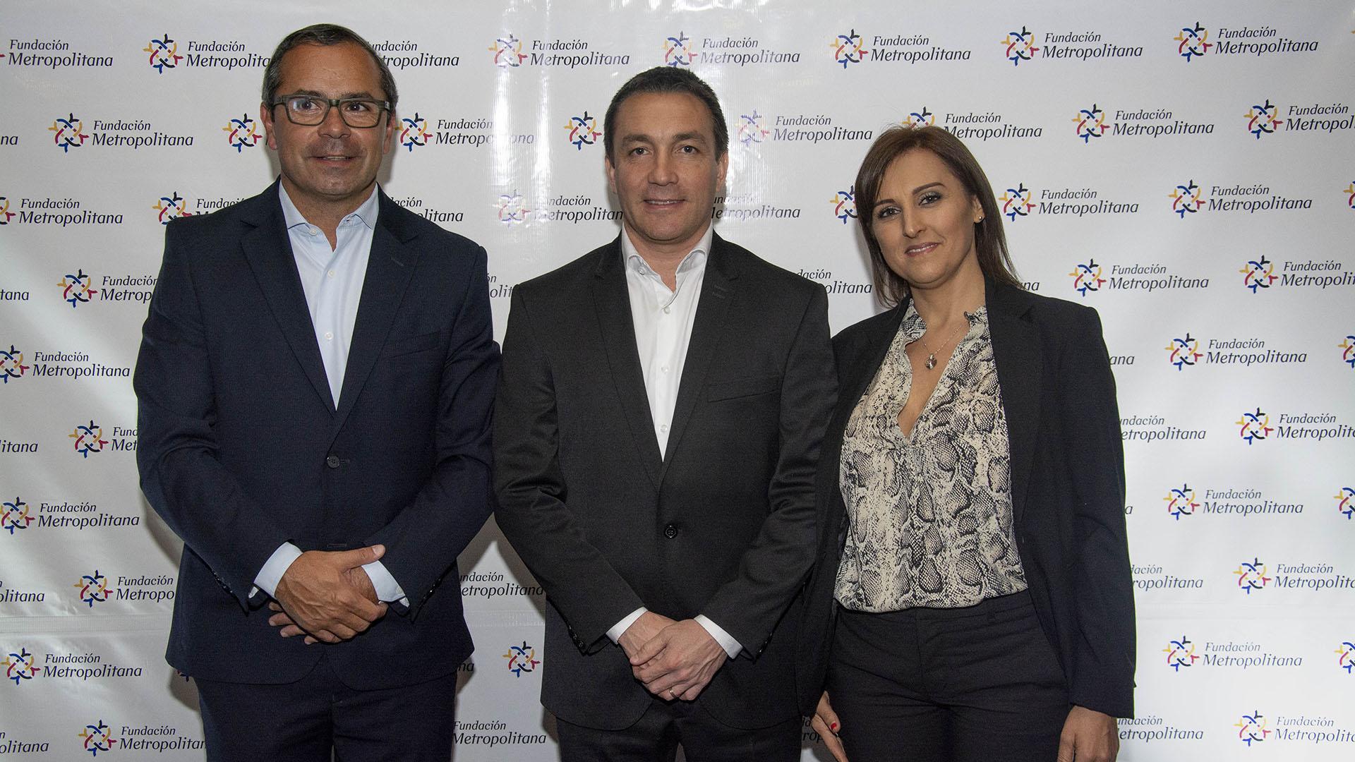 Andrés Watson, intendente de Florencio Varela, y su mujer