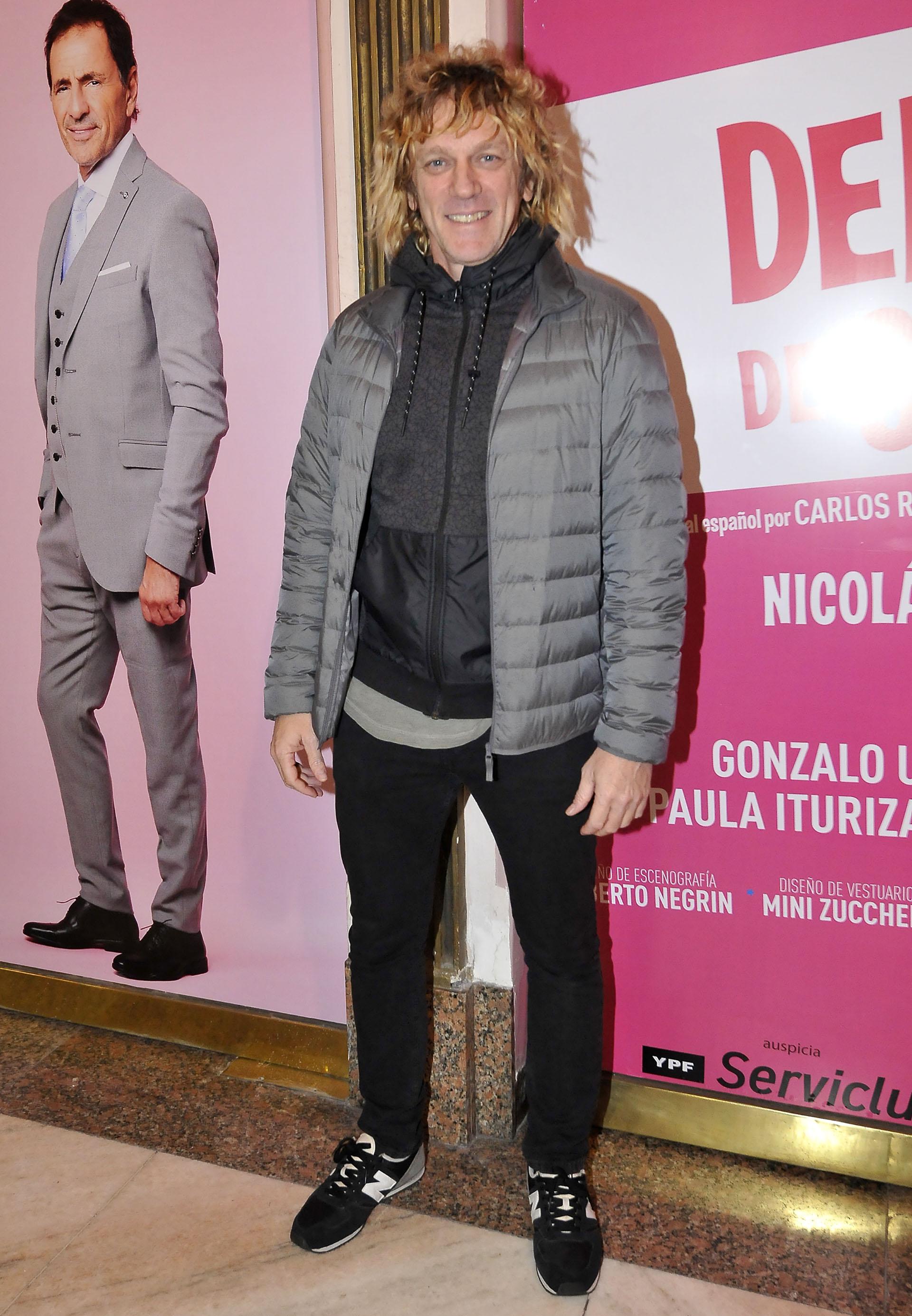 Federico D'Elía, con un llamativo look