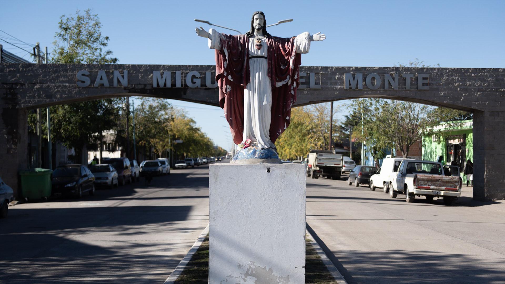"""La definición que la Municipalidad de San Miguel del Monte hace de su ciudad es: """"Monte es una típica ciudad del interior de la Provincia de Buenos Aires, donde priman la tranquilidad, los espacios verdes, el aire puro y los ambientes naturales, en un entorno histórico, cultural y tradicional único"""""""