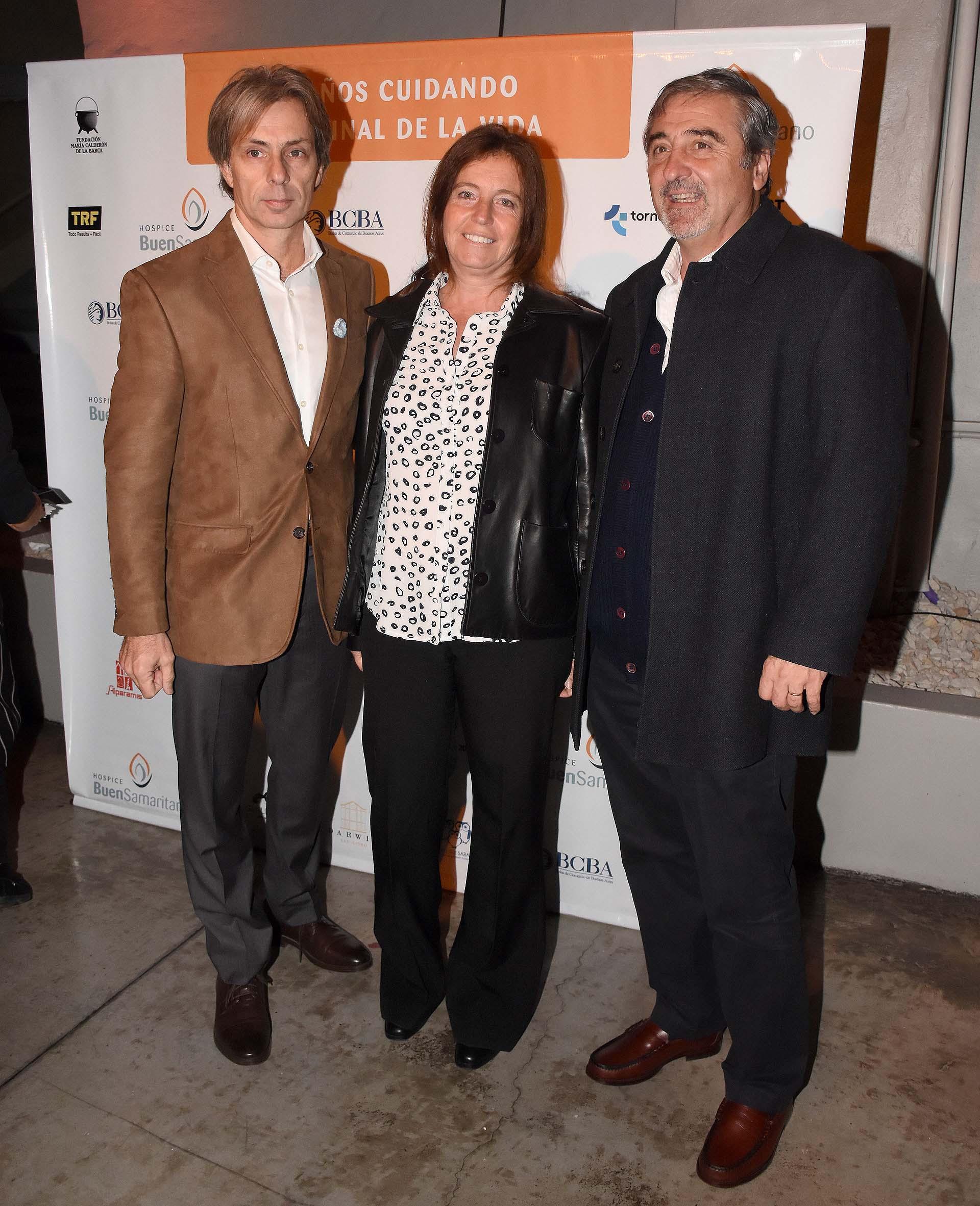 Juan Manuel Llapur junto al arquitecto Juan Urgell y su mujer