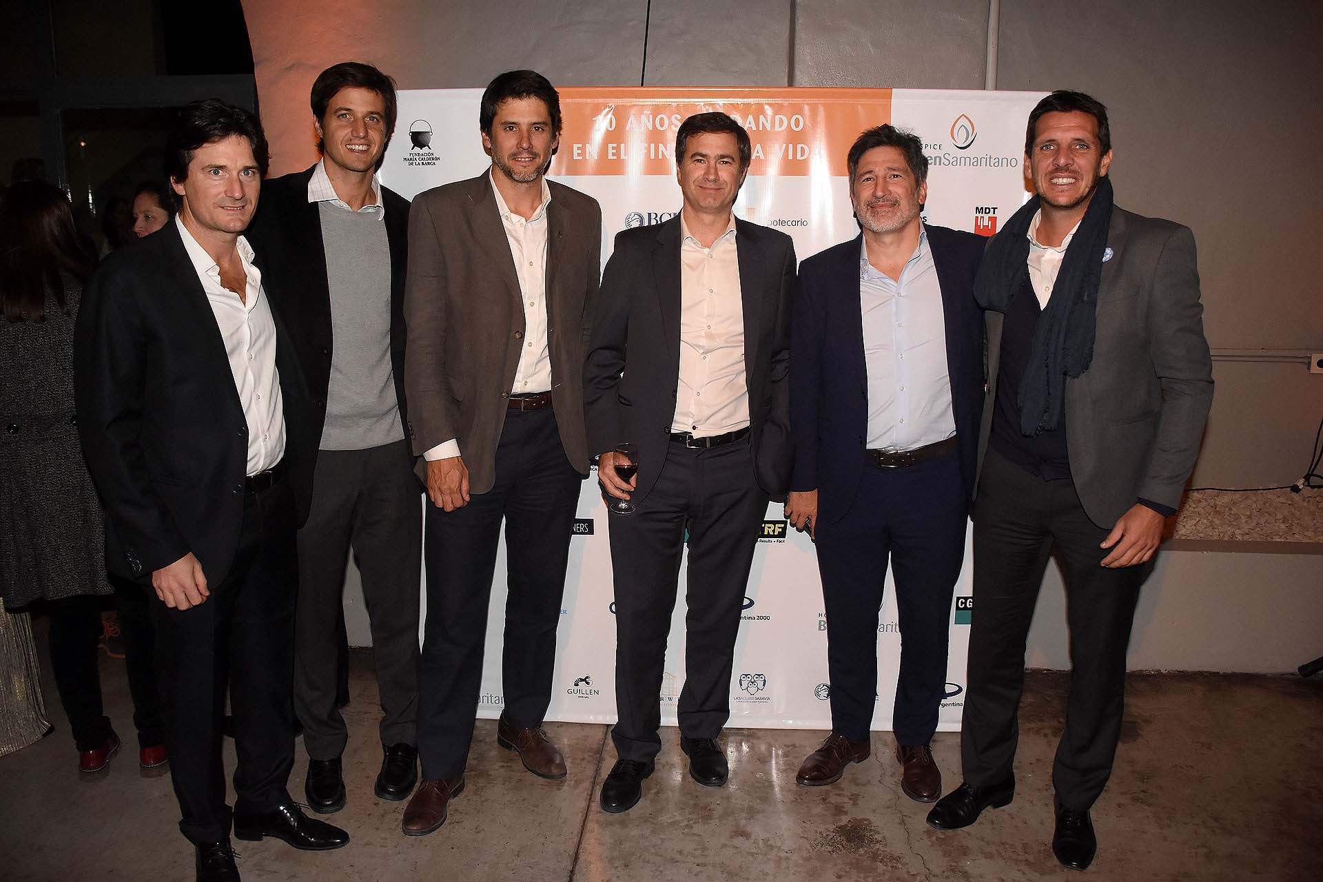Adrián Meszaros recibió a Eduardo Bastita, CEO de Plaza Logística; Santos Uribelarrea, accionista de MSU Energy; Gonzalo Aguirre, vicepresidente de Finance Global Patagonia; Matías Puelles y Javier Rovira (Banco Hipotecario) /// Fotos: Nicolás Stulberg