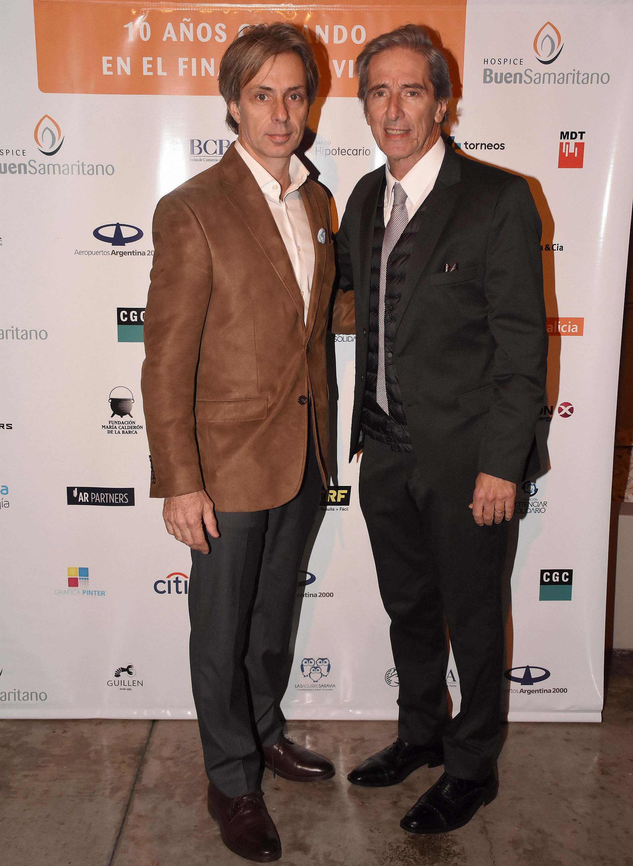 Juan Manuel Llapur y Fernando Iudica, director médico del Hospital Austral