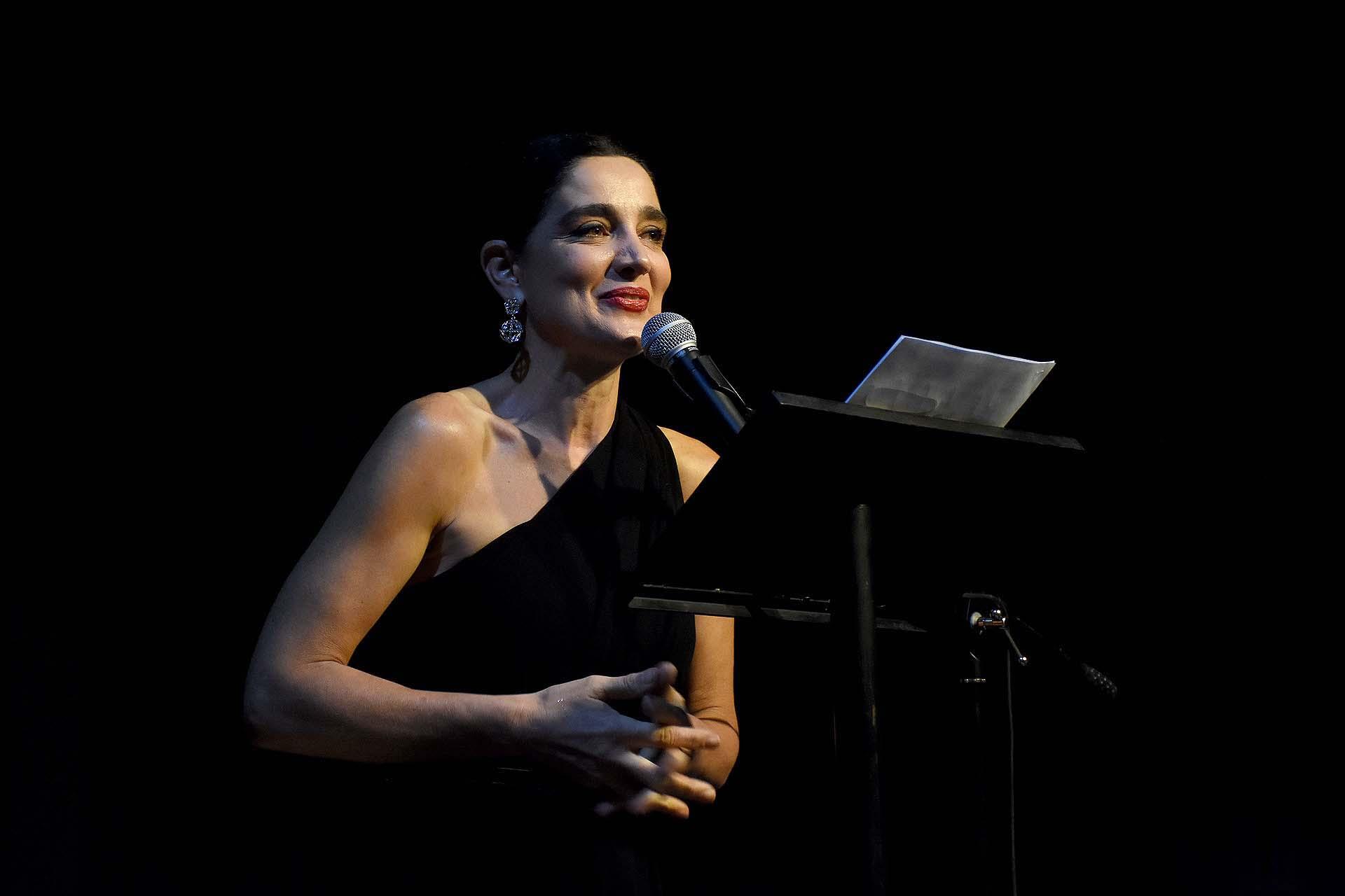 Verónica Varano estuvo a cargo de la conducción del evento