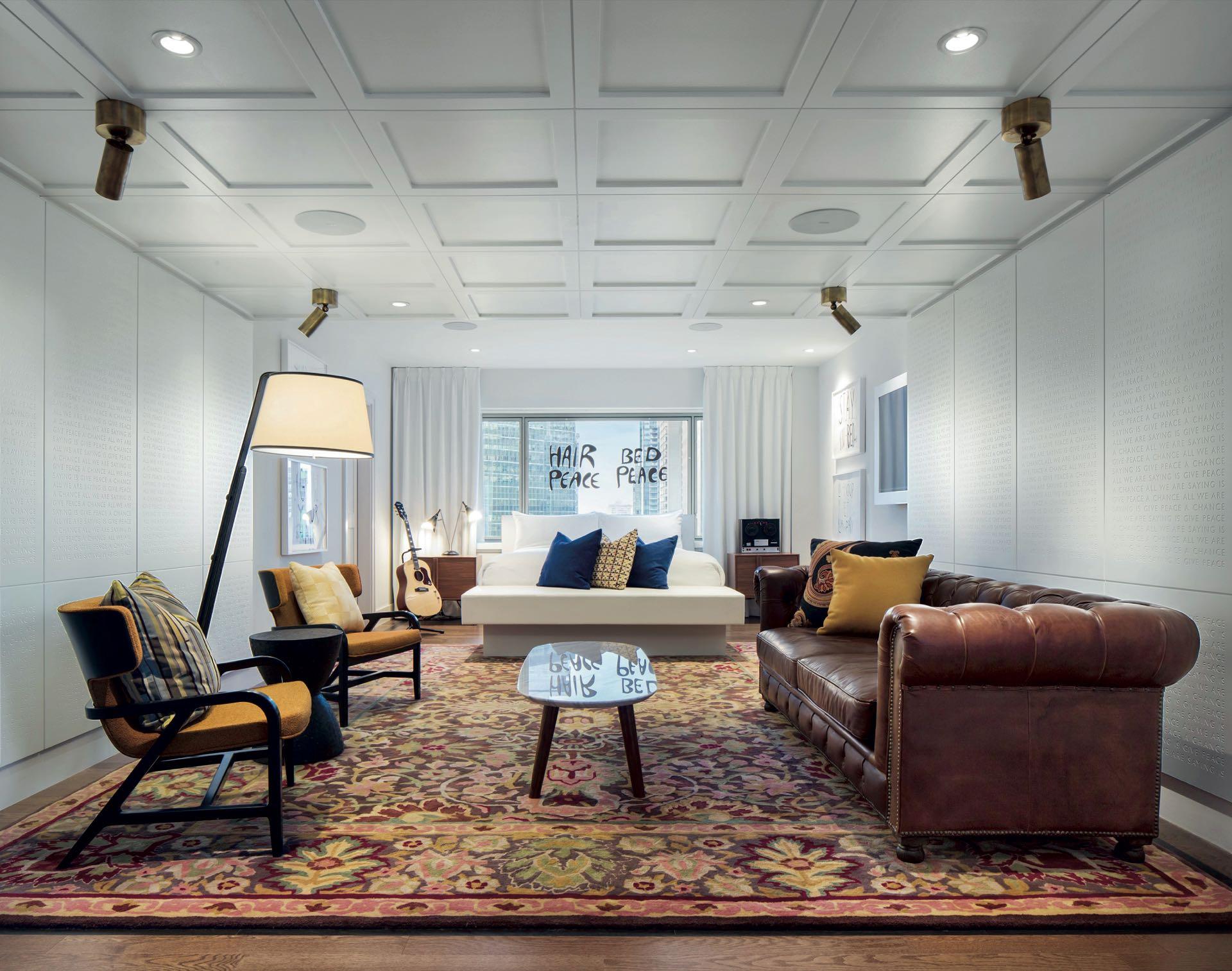 La habitación cuenta con una superficie de 128 metros cuadrados, cargada de espacios que recrean el reputado momento.