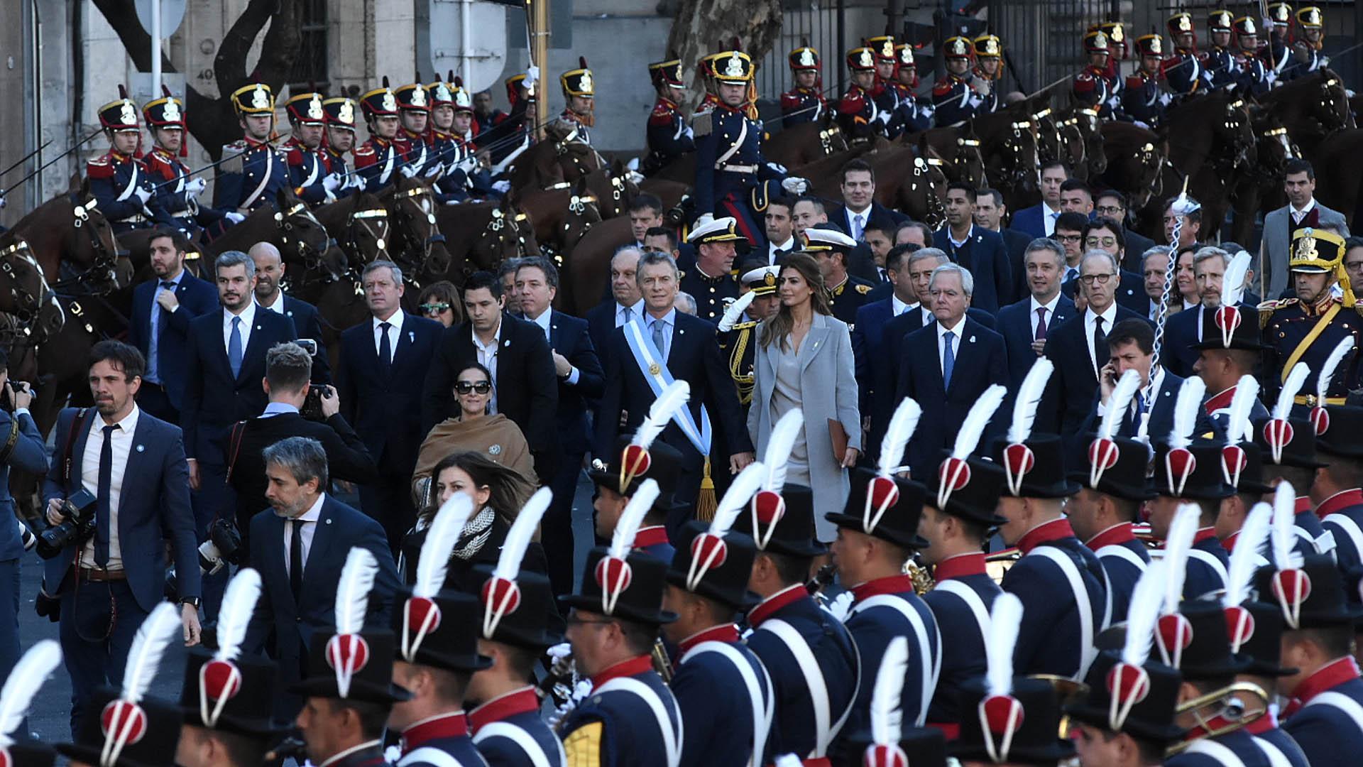Así fue la entrada del Presidente y la Vicepresidenta a la Catedral Metropolitana