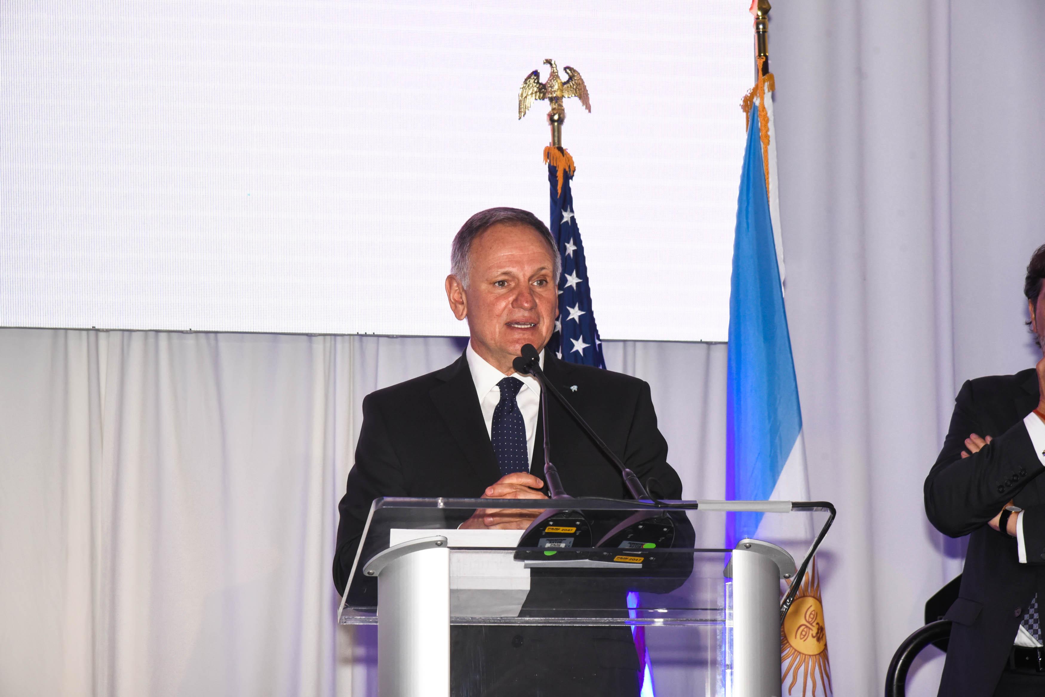 Roberto Alvarez Roldán, Cooperadora del Hospital de Niños.