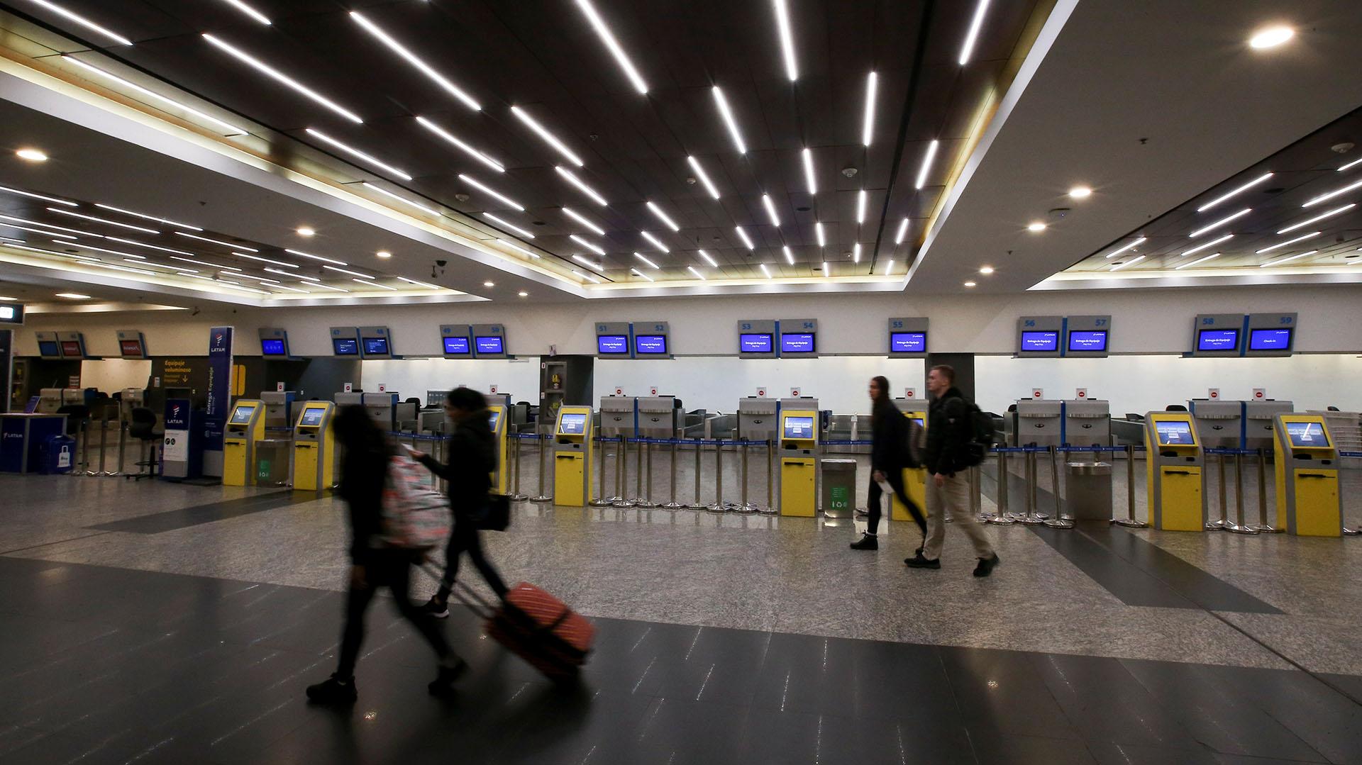 Desde el Aeroparque Metropolitano no están saliendo vuelos, solo hay arribos programados