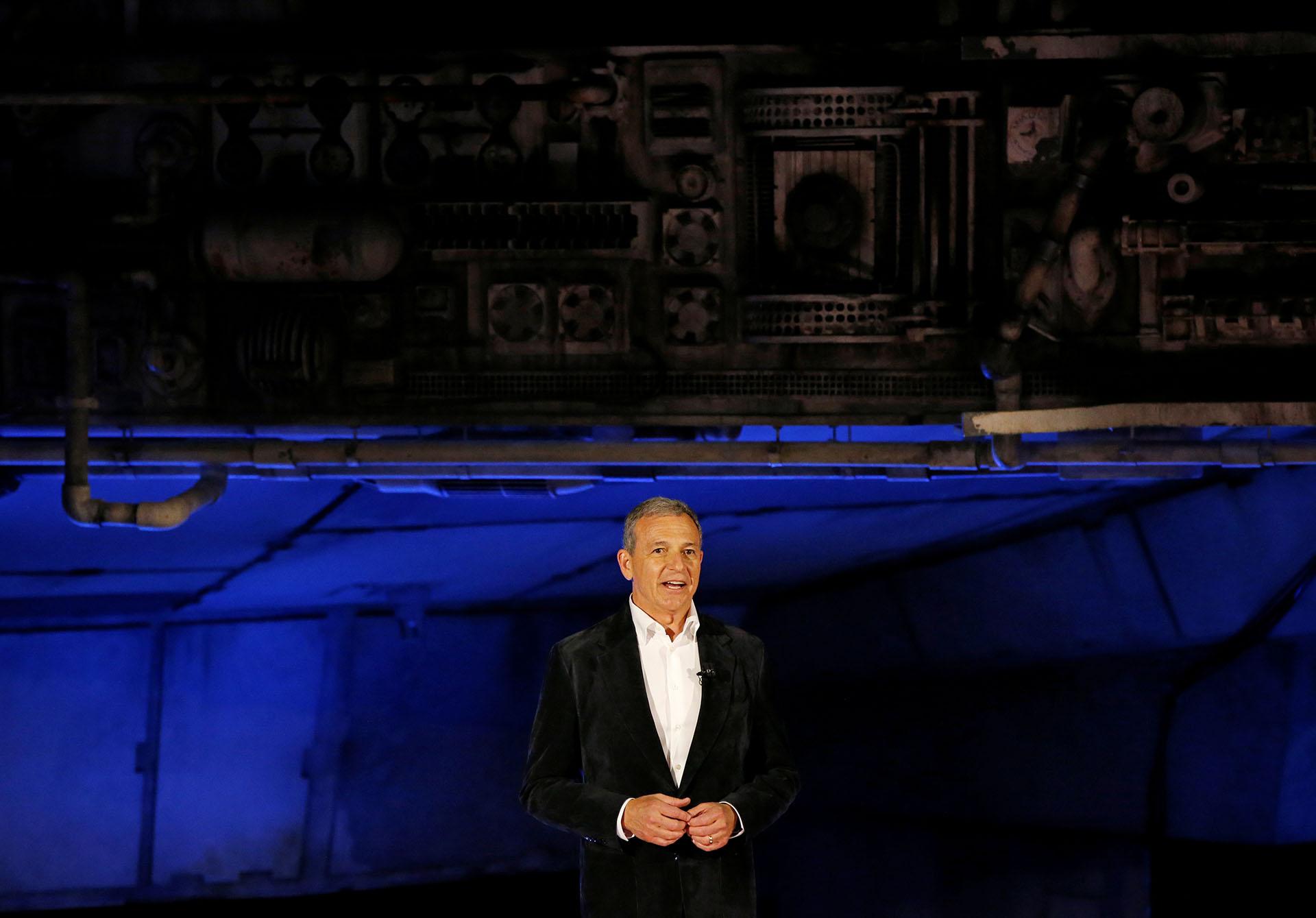 """El Director Ejecutivo de Walt Disney, Bob Iger, habla en """"Star Wars: Galaxy's Edge"""" en Anaheim"""