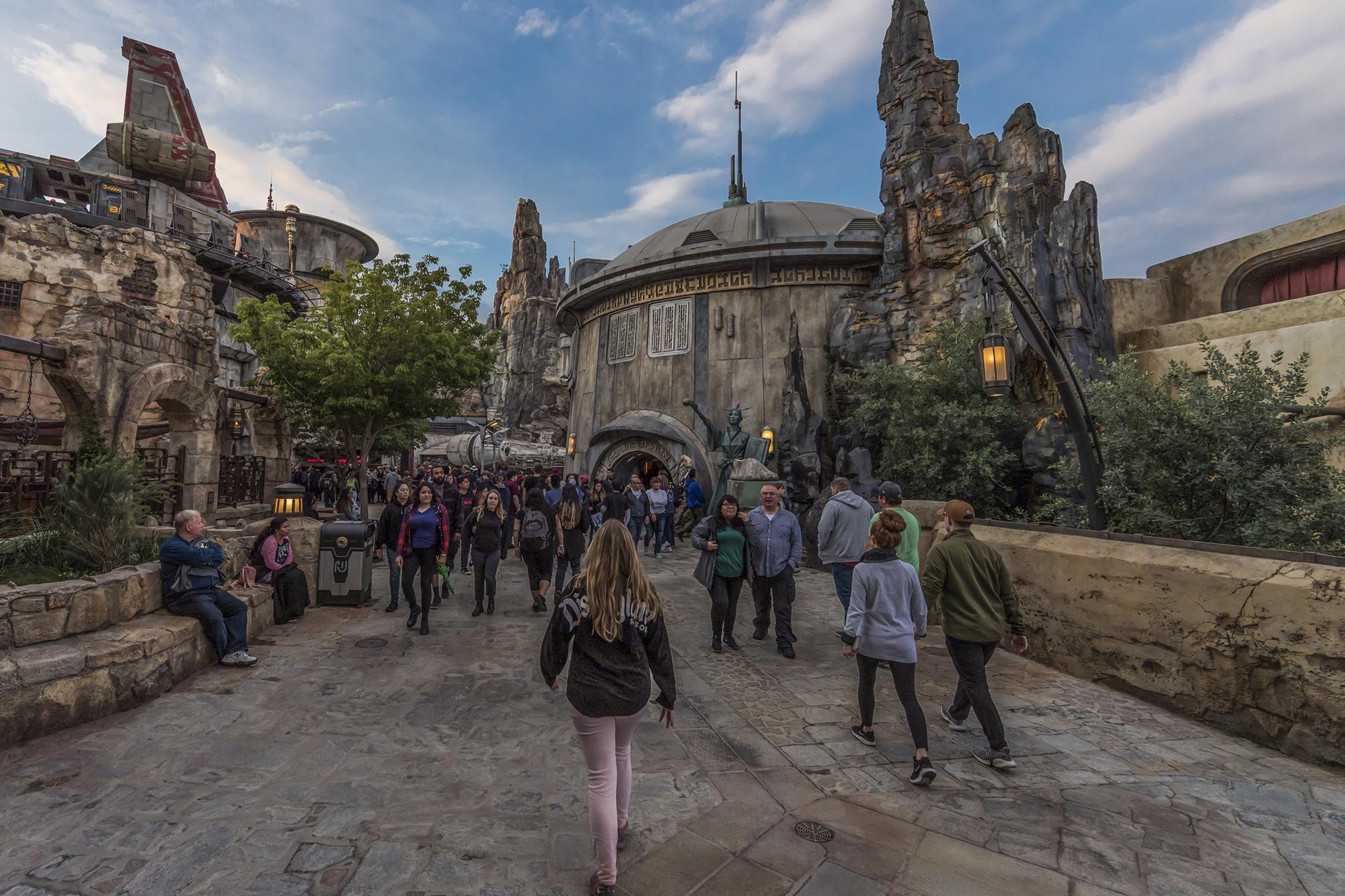Star Wars: Galaxy's Edge será el parque de atracciones más extenso de Disney, con 5,6 hectáreas cada uno