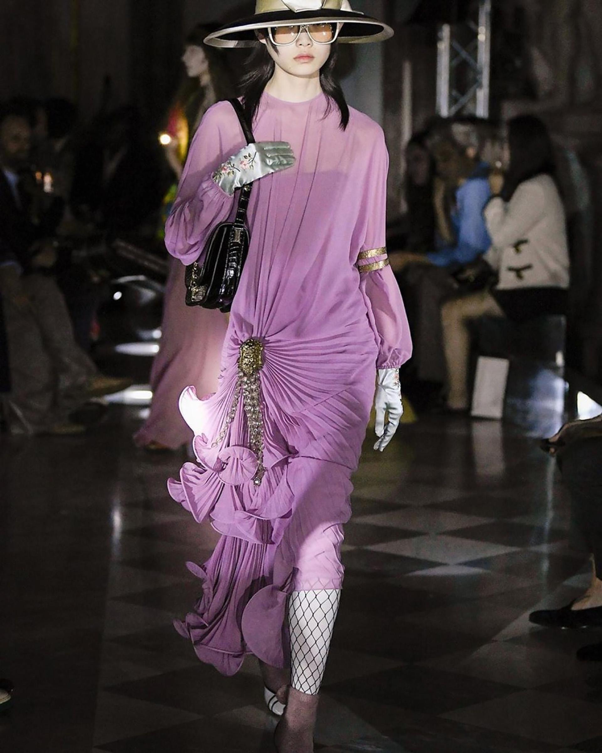 Sin cadenas ni límites, así son las mujeres bajo la visión de Alessandro Michele.