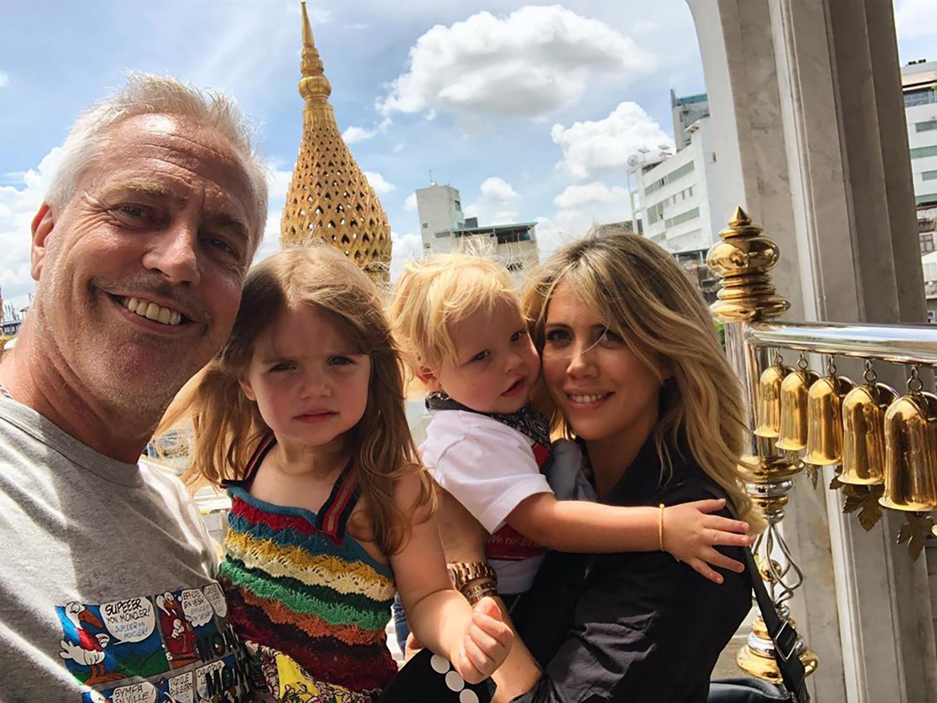 """Wanda Nara y su hija, Isabella, llegaron a Bangkok para acompañar a Marley y Mirko en el programa """"Por el mundo"""" (Foto: Instagram)"""