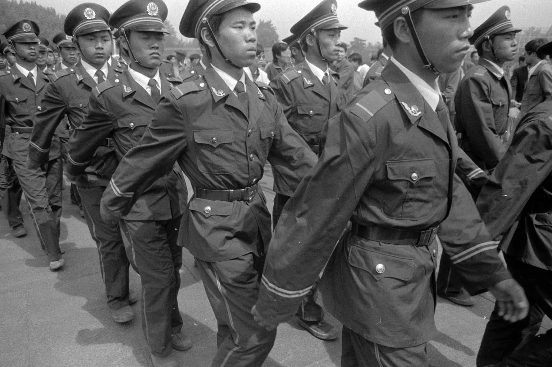 El ejército chino reprimió las protestas de Tiananmen (Jian Liu)