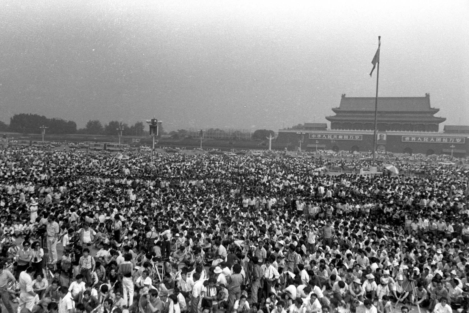 Sentada pacífica en Tiananmen (Jian Liu)