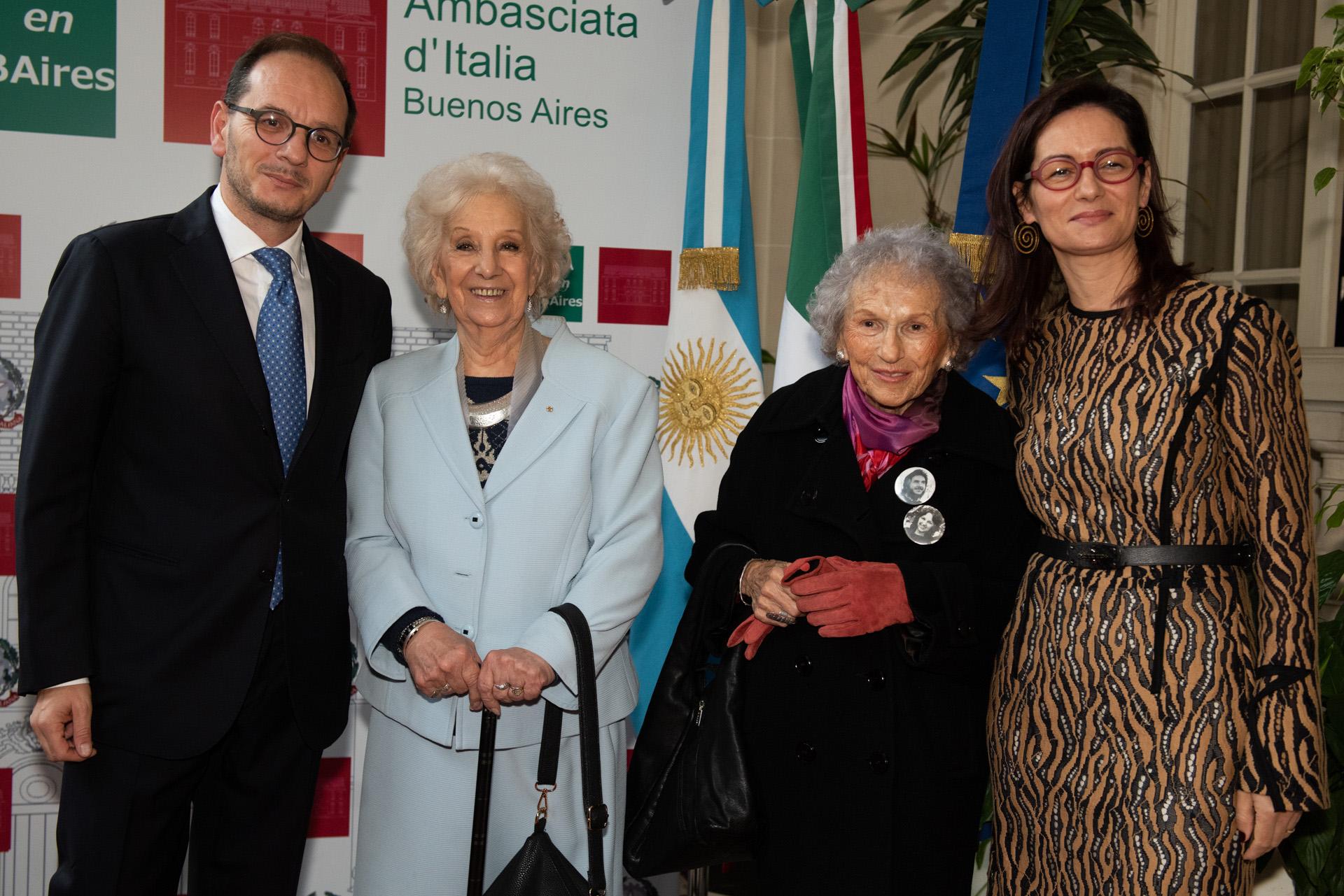 Estela de Carlotto, presidente de Abuelas de Plaza de Mayo; y Lita Boitano, presidenta de Familiares de Desaparecidos y Detenidos por Razones Políticas