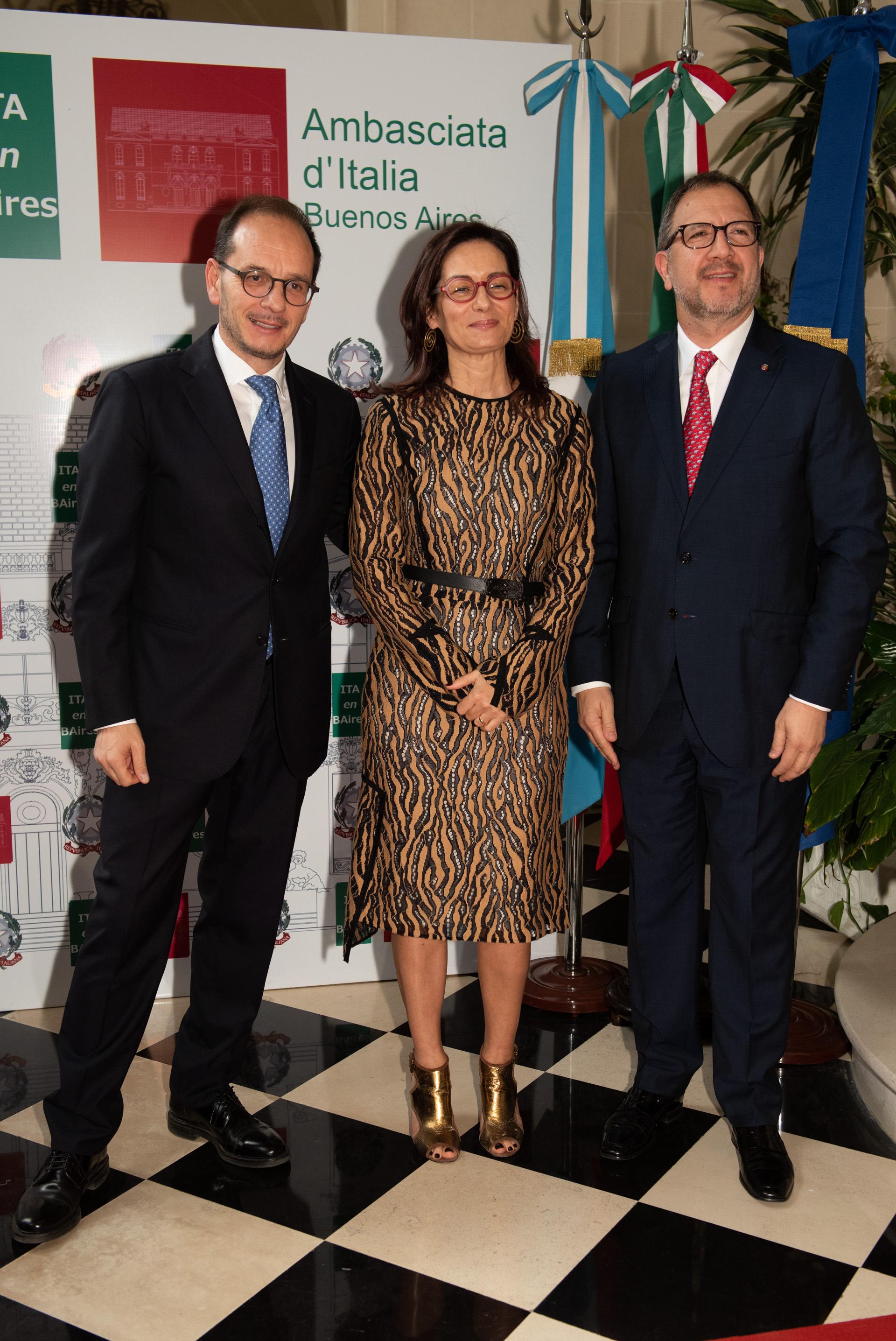 Los embajadores reciben a Fabián Perechodnik, secretario general de la provincia de Buenos Aires