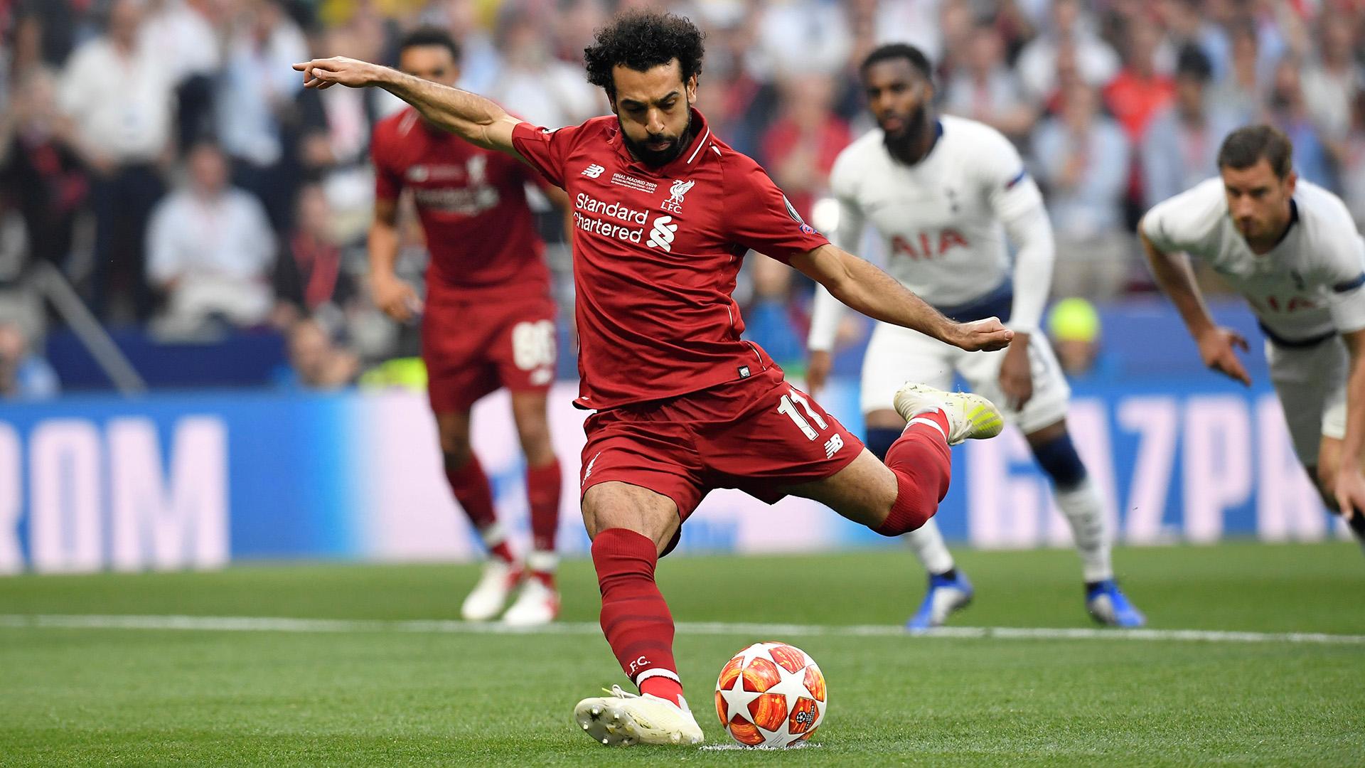 El egipcio Mohamed Salah fue el autor del primer gol, de penal (REUTERS)