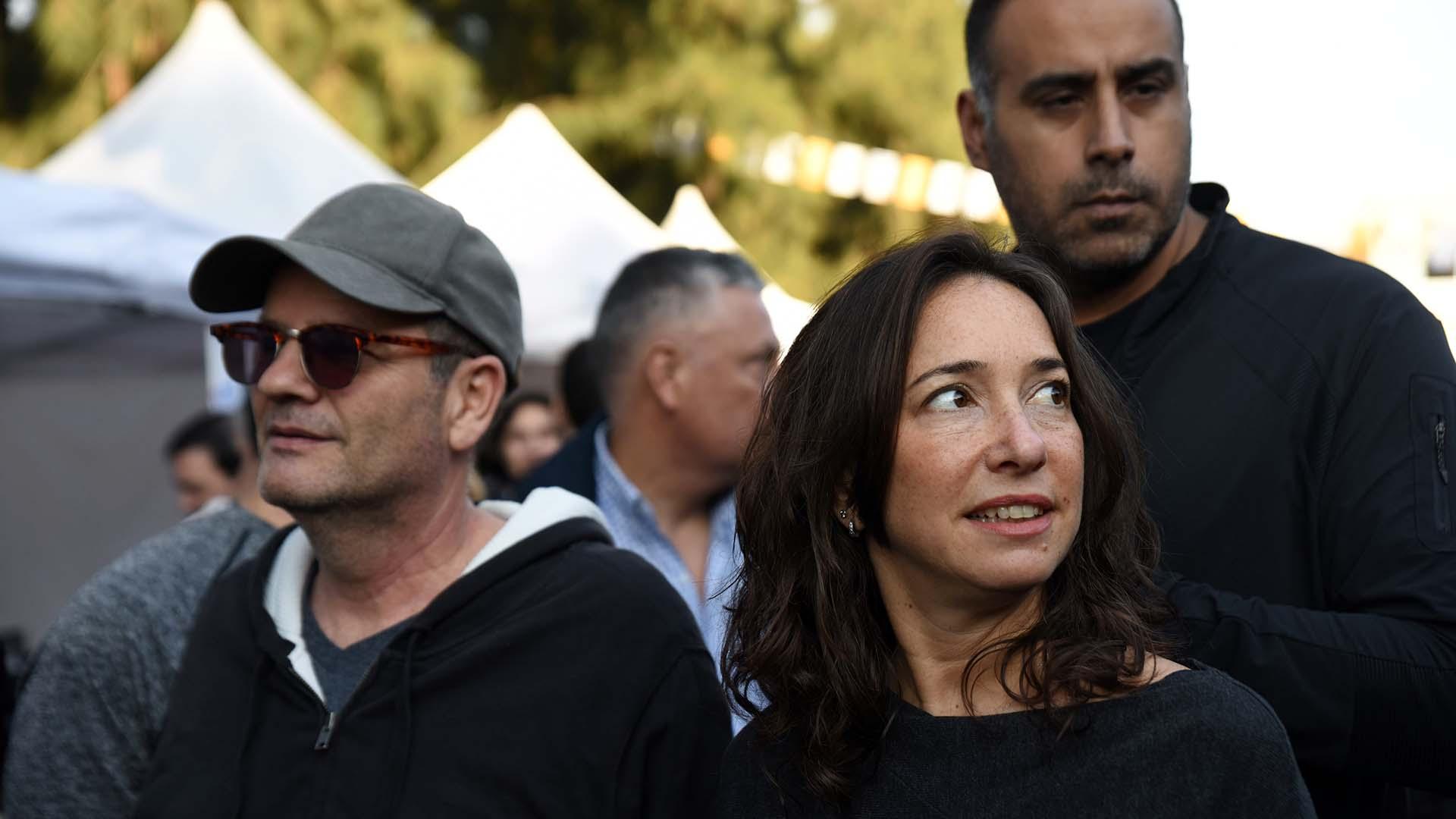 Ilan Sztulman, diplomático israelí y actual embajador en Argentina, acompañada por Pamela Malewicz, subsecretaria de Derechos Humanos y Pluralismo Cultural. También estuvo el ministro Claudio Avruj