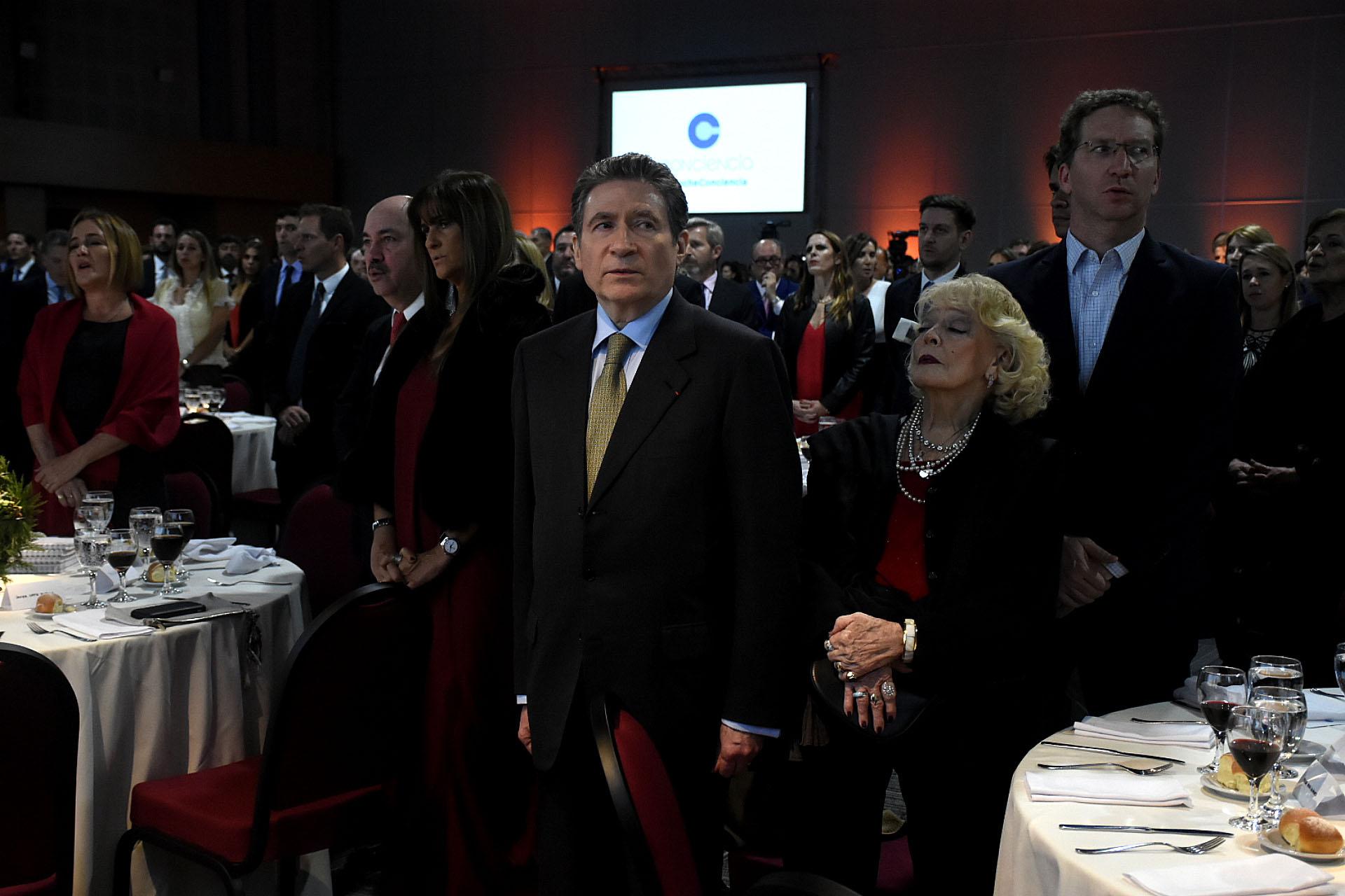 El embajador de Francia en la Argentina, Pierre Henri Guignard, y su mujer