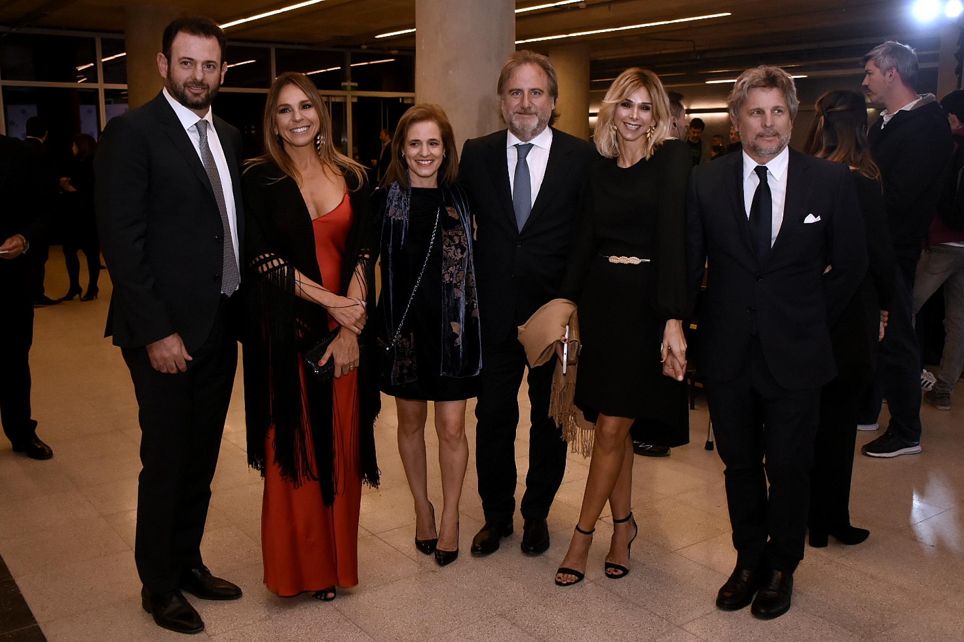 José Urtubey y su mujer Soledad junto a Silvina Pueyrredon, Tato Lanusse, Vicky Fariña y Pappo Roca