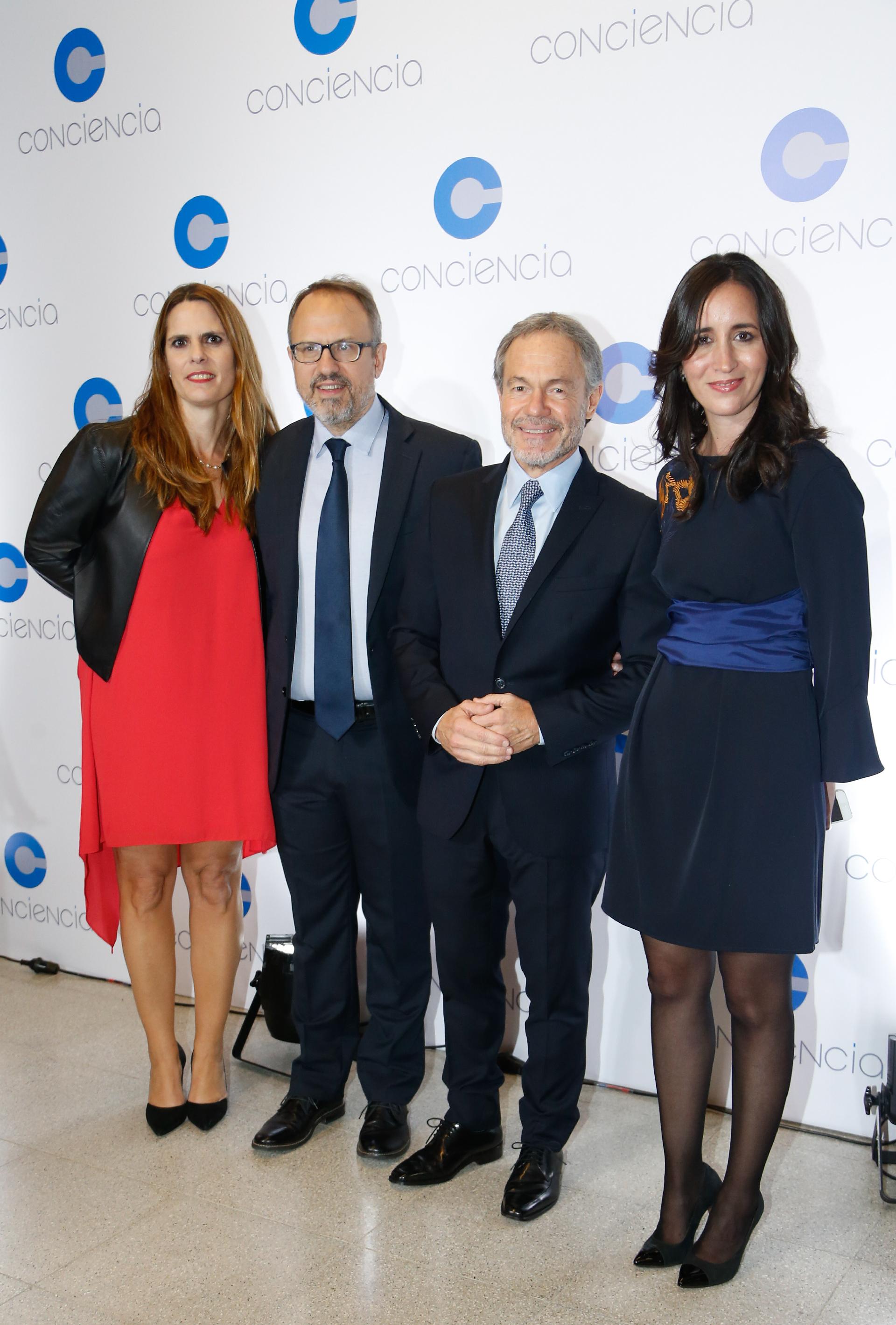 El intendente de Tres de Febrero, Diego Valenzuela, y el ministro de Justicia de la provincia de Buenos Aires, Gustavo Ferrari