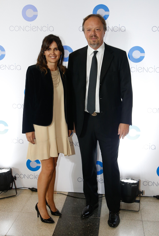 Beby Lacroze y el presidente del Banco de Valores, Juan Ignacio Nápoli
