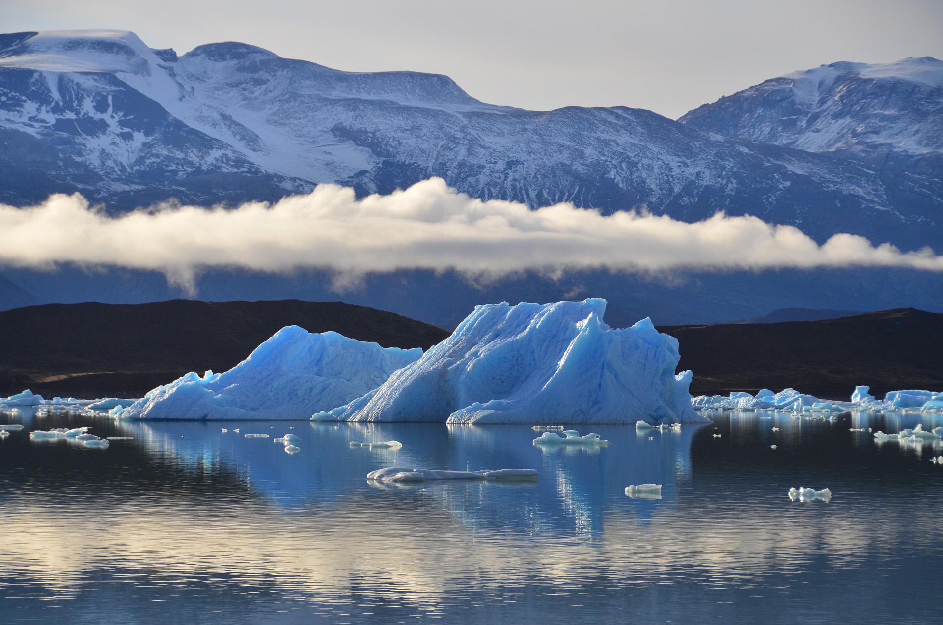 Parque Nacional Los Glaciares. En nuestro país hay 14.500 glaciares, que se distribuyen a lo largo de casi 4.000 kilómetros en la Cordillera de los Andes (Foto del Parque Nacional Los Glaciares)