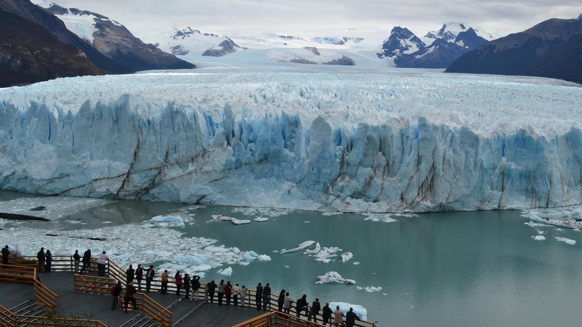 Están ubicados en cinco zonas de los Andes: desértica, central, del norte de la Patagonia, del sur de la Patagonia y de Tierra del Fuego e Islas del Atlántico Sur (Foto del Glaciar Perito Moreno)