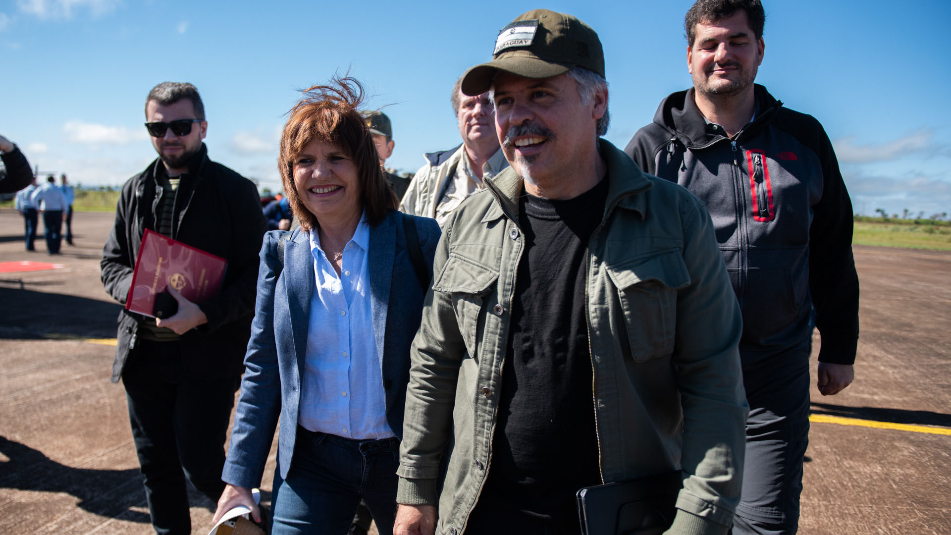Colaboración internacional: el hombre al frente es Arnaldo Giuzzo, cabeza de la SENAD, el área antidrogas de Paraguay.