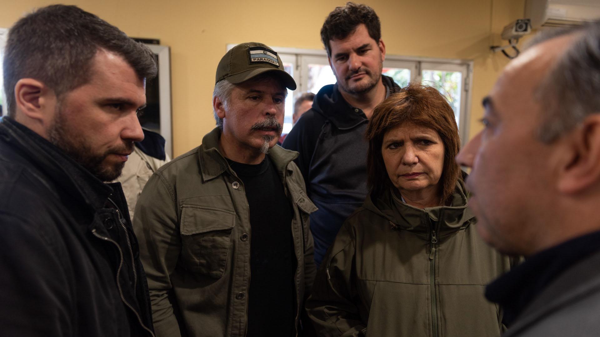 Bullrich, Burzaco y Arnaldo Giuzzio, ministro y jefe de la SENAD paraguaya.