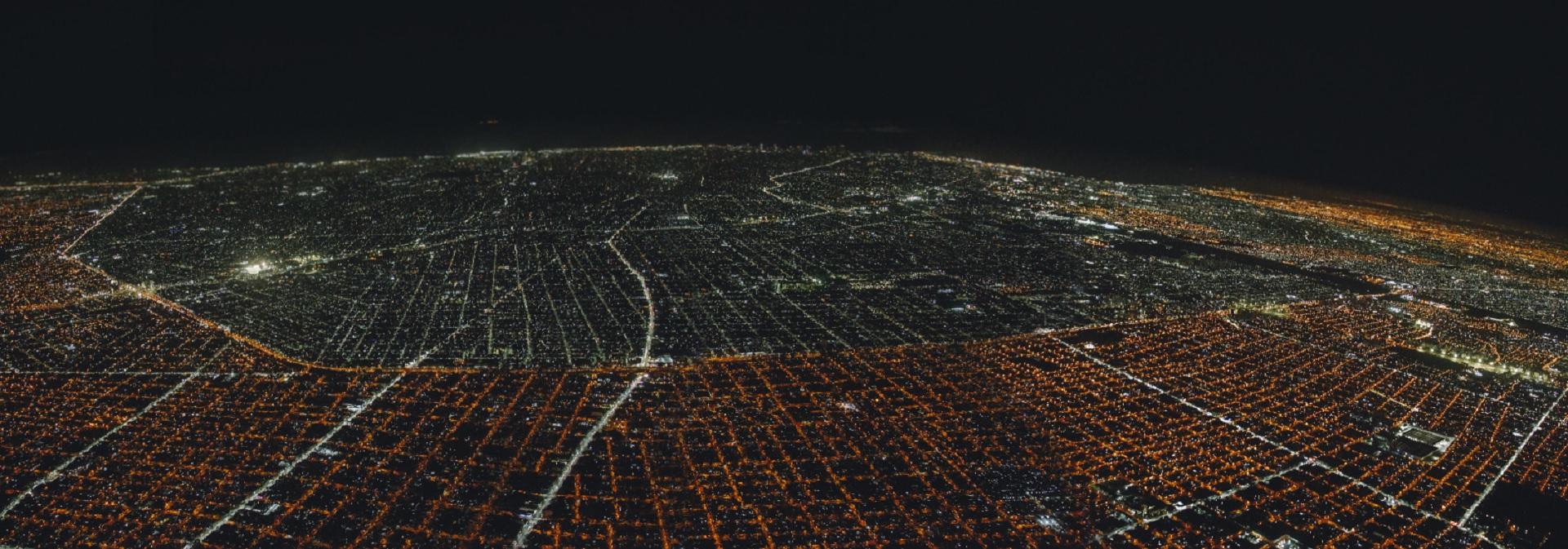Las luces LED permiten ahorrar 50% del consumo de energía (Crédito GCBA)