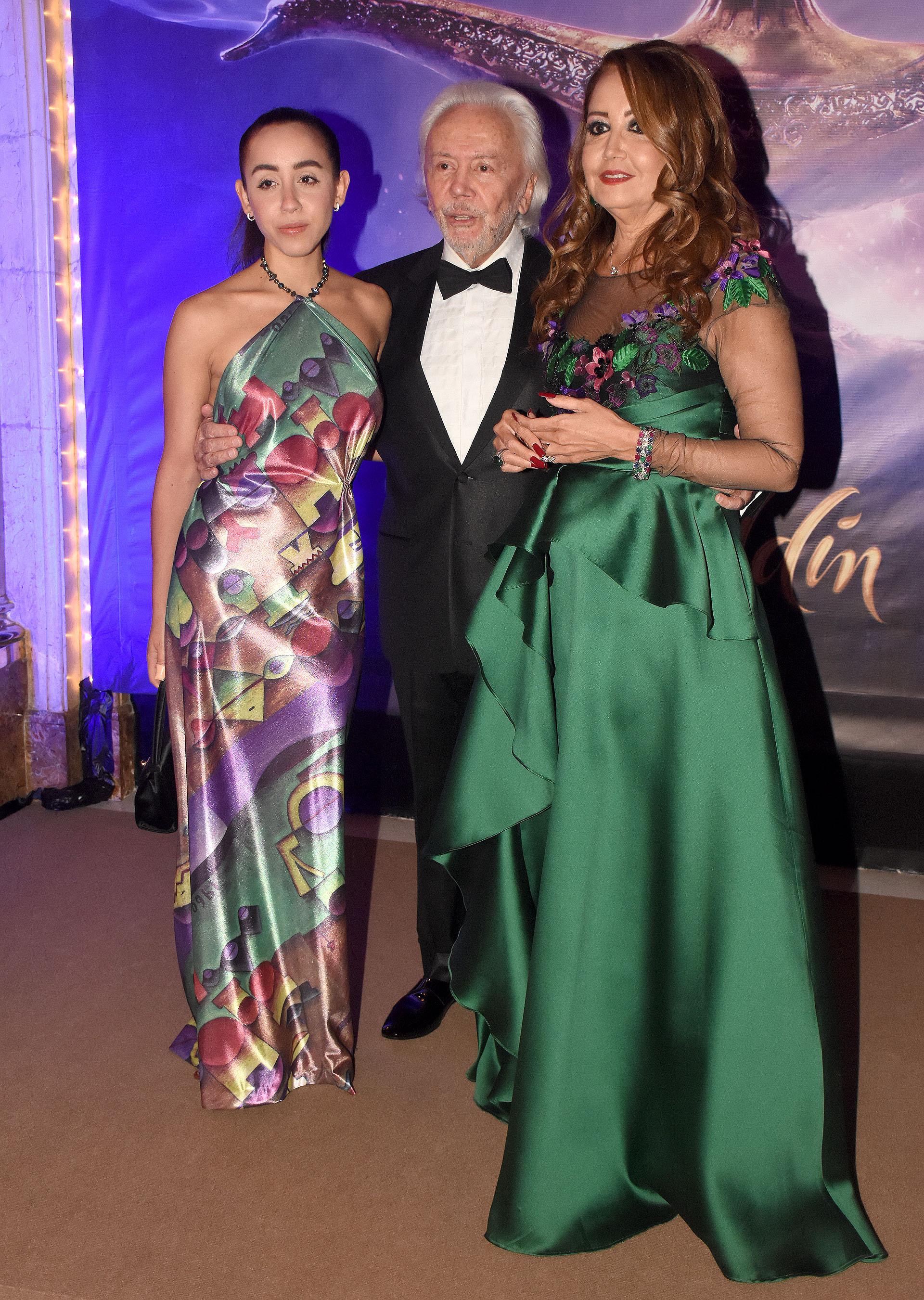 Michelle, Guido y Mónica Parisier