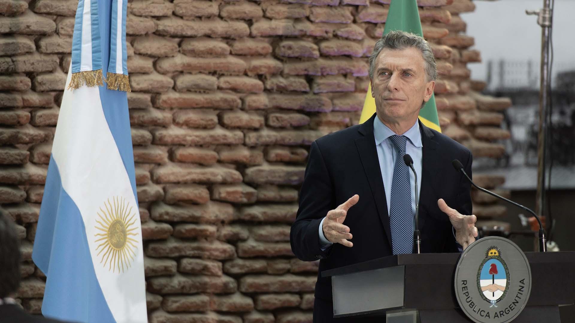 Mauricio Macri le da la bienvenida a la delegación brasileña