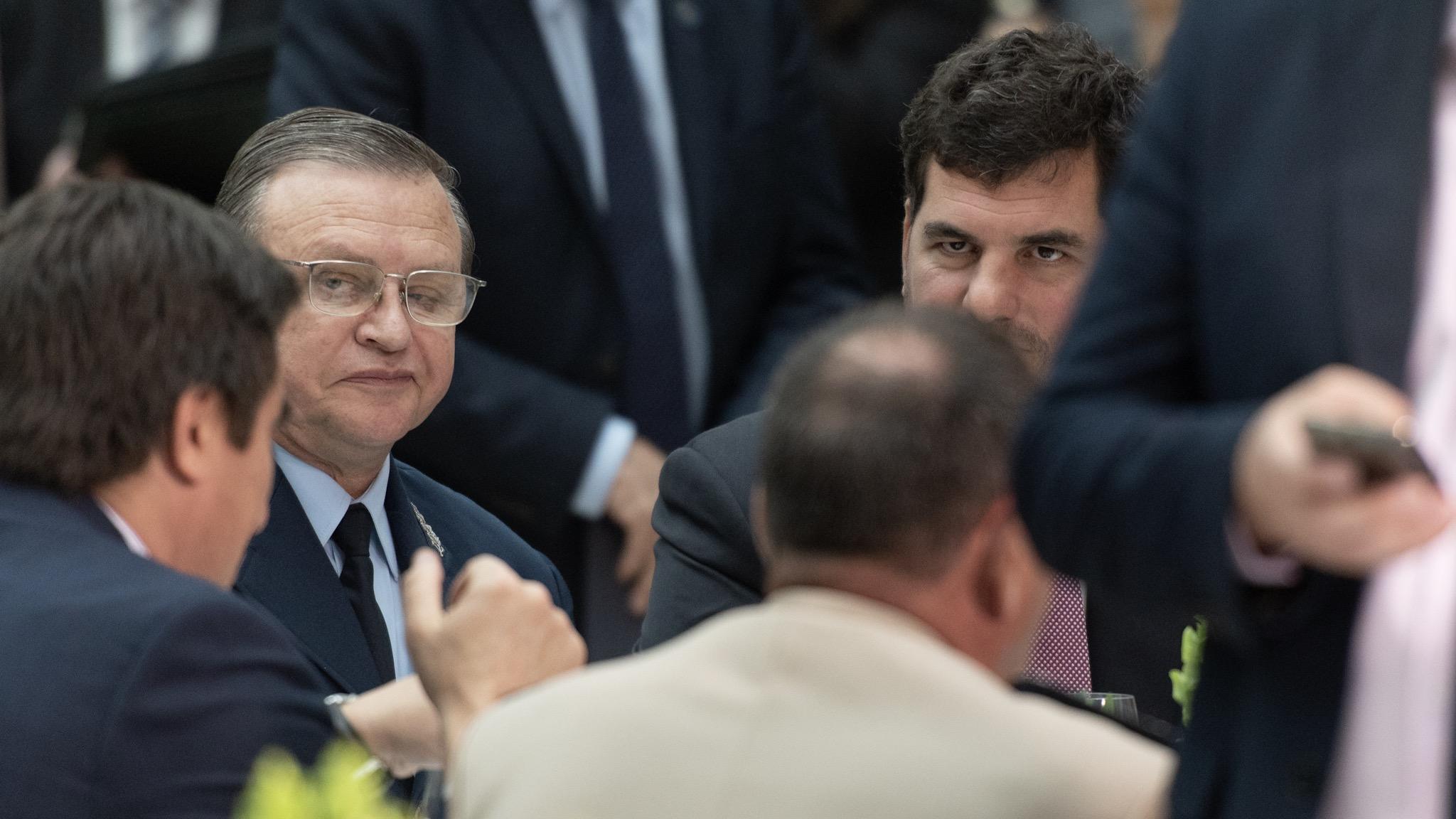 A la derecha, el subsecretario de Seguridad Eugenio Burzaco