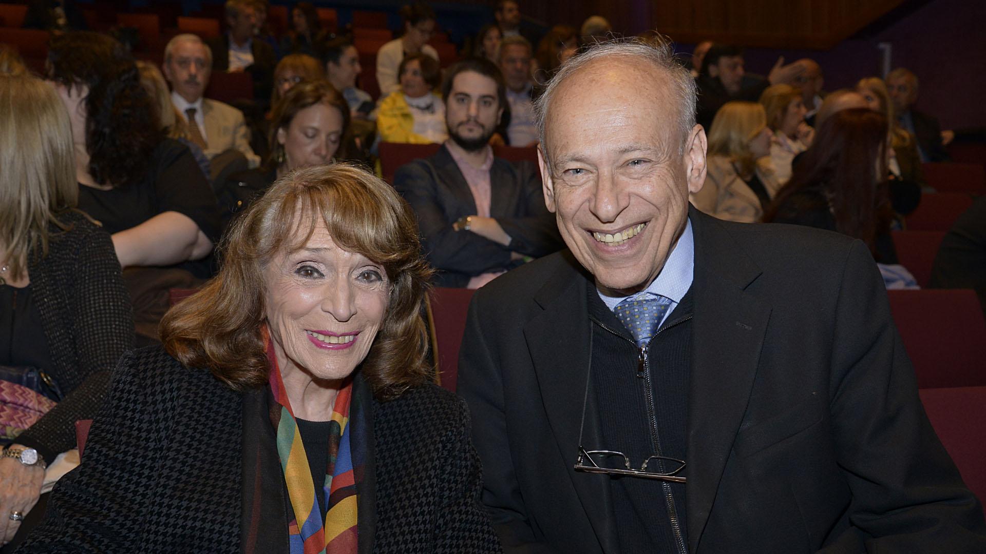 Magdalena Ruiz Guiñazú y Luis Ovsejevich, presidente de la Fundación Konex