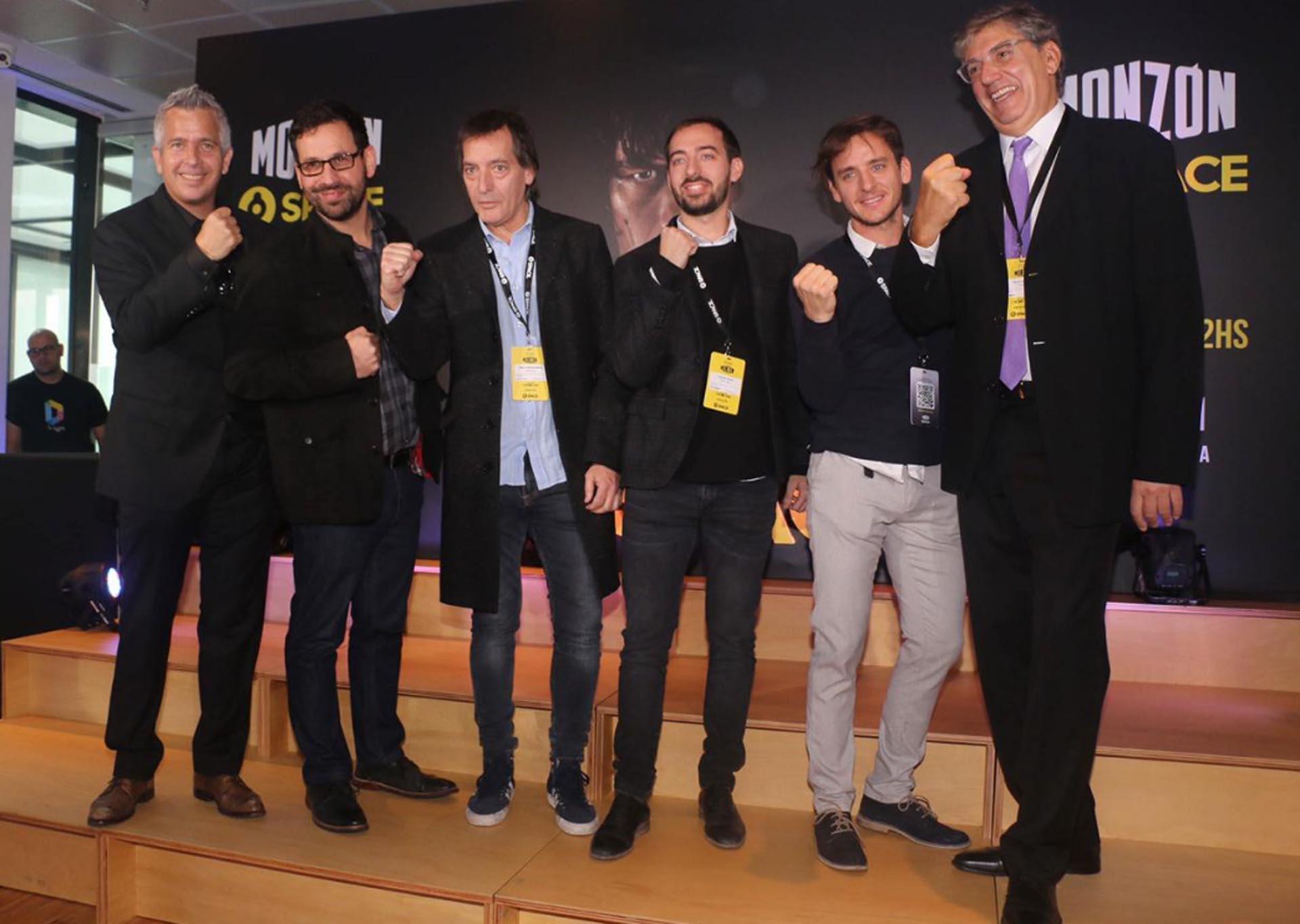 Pablo Bossi y dirigentes de HBO, durante la presentación de la serie