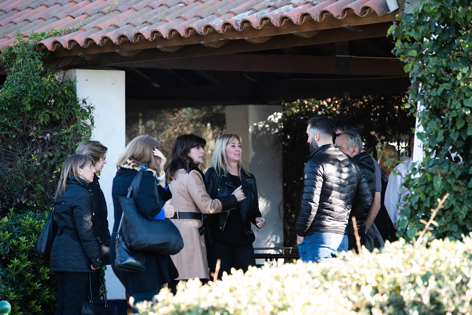 Allí se acercaron más amigos y conocidos de la familia (Franco Fafasuli)