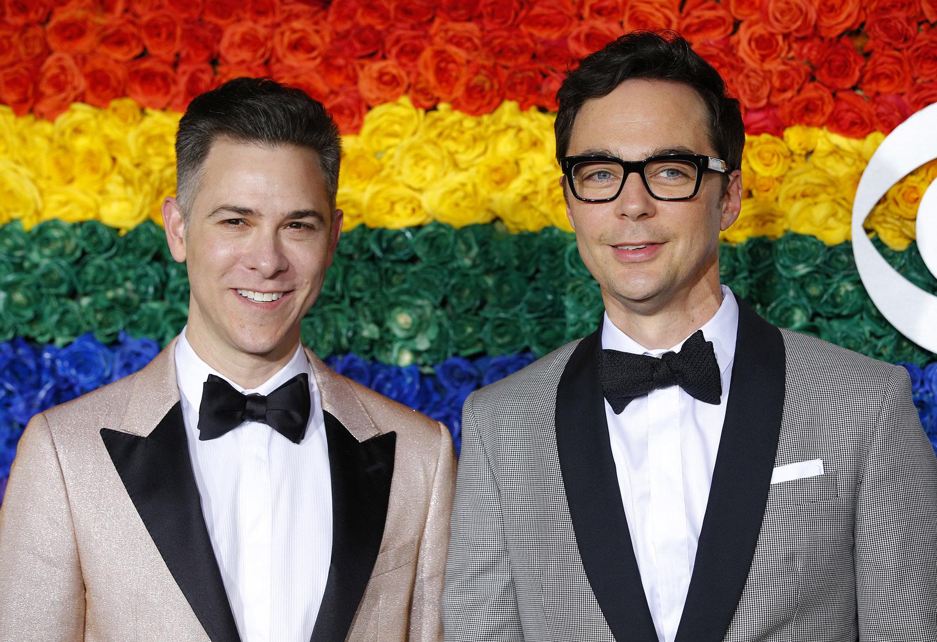 """Todd Spiewak con su esposo Jim Parsons, uno de los protagonista de """"The Big Bang Theory"""""""