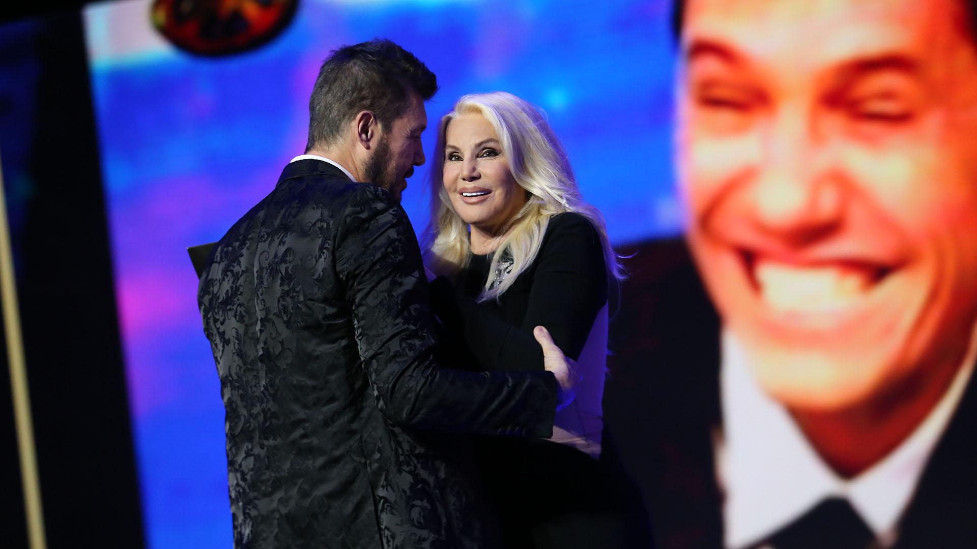 """Marcelo, emocionado, agradeció que Susana haya sido quien presentara un premio tan especial: """"La admiro y la quiero"""", dijo"""