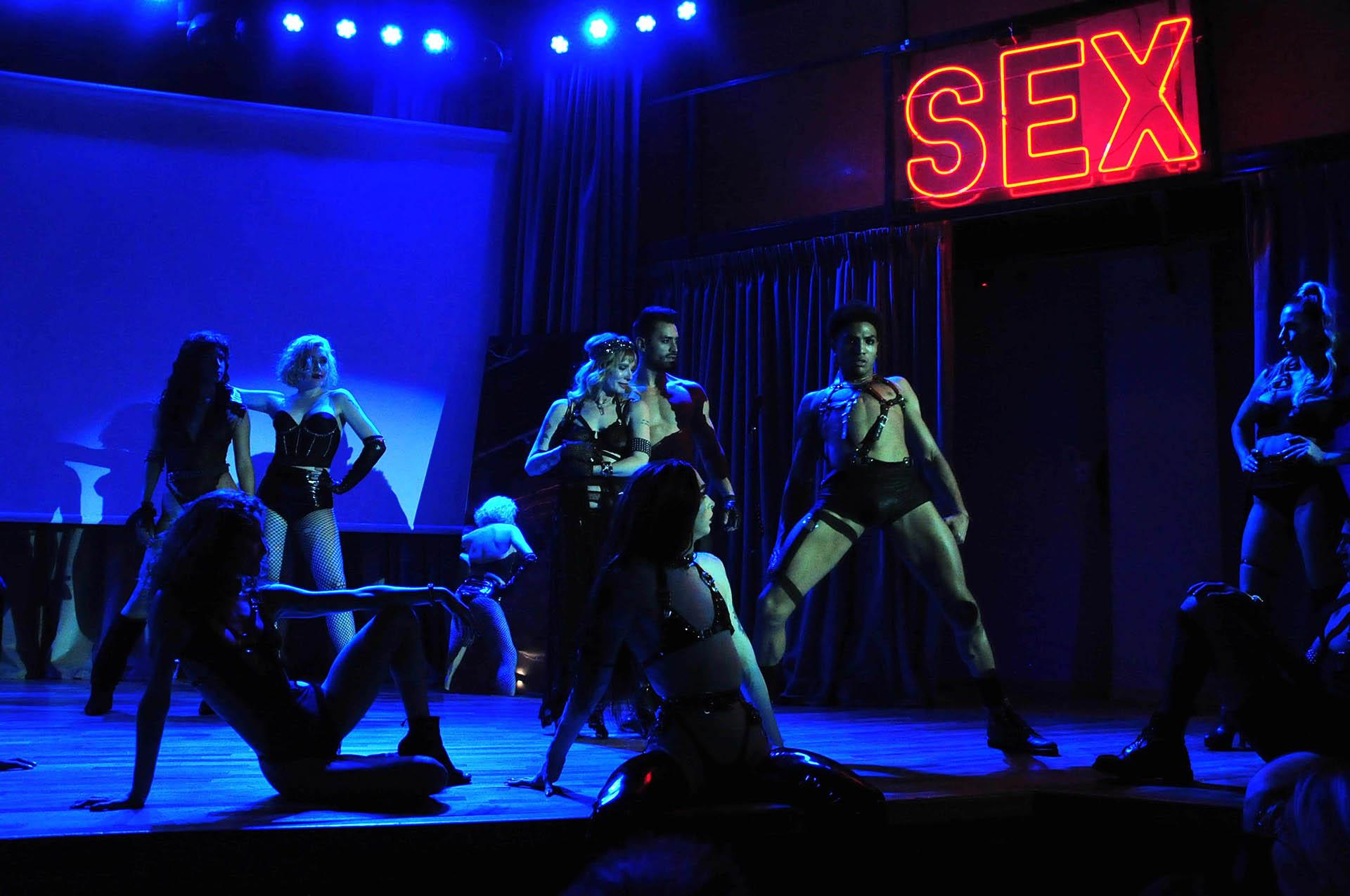 """Las luces buscan potenciar la sensualidad de las coreografías de """"Sex, viví tu experiencia"""""""
