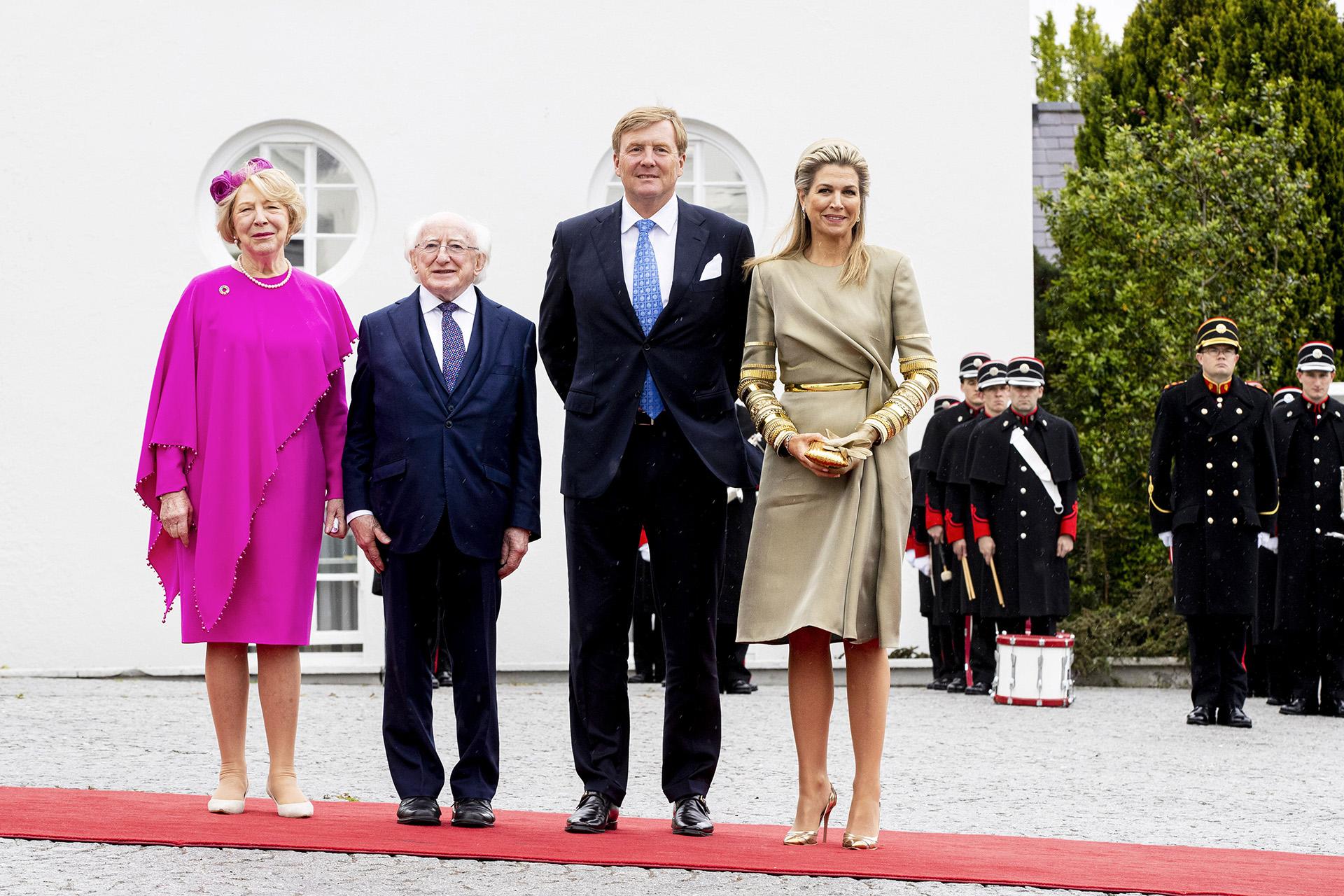 La esposa del rey Guillermo cautivó en Irlanda con un elegante y original diseño de Claes Iversen