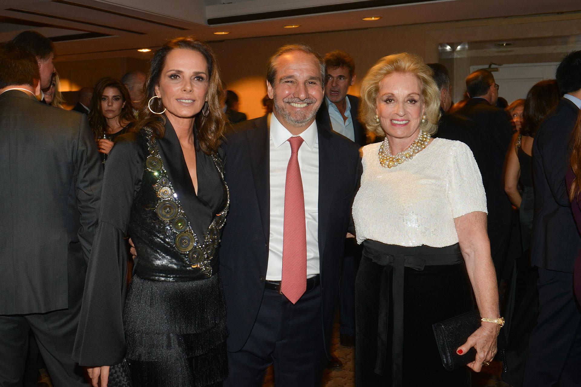 Nathalie Sielecki, Nicolás Caputo y Miriam Bagó.