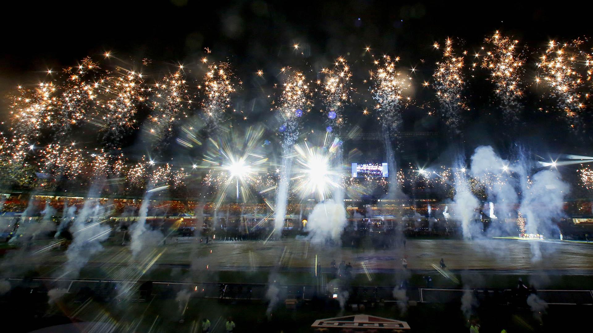 Los fuegos artificiales que dominaron el Estadio Morumbí