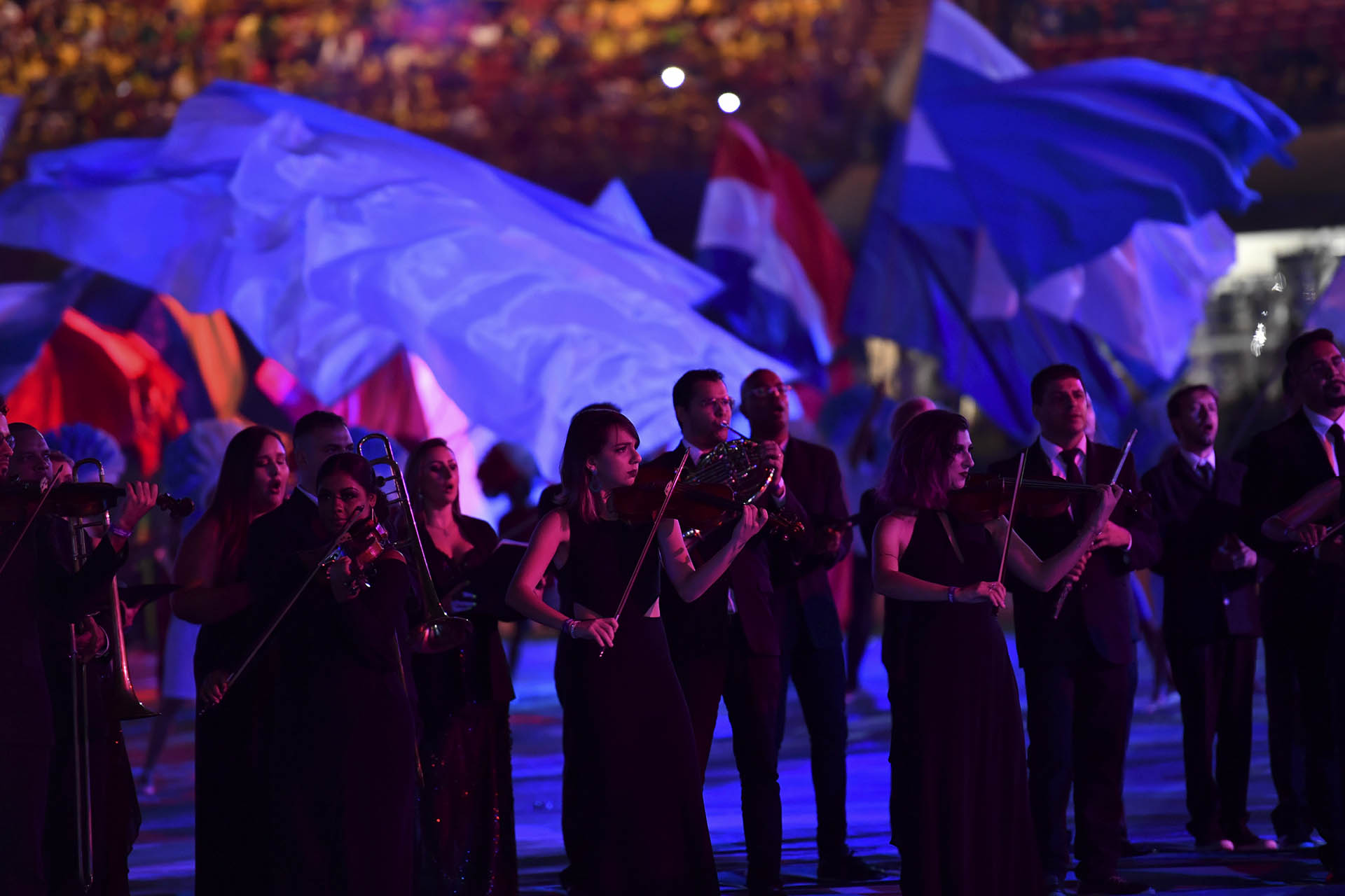 La orquesta de San Pablo acompañó la fiesta con violines y flautas