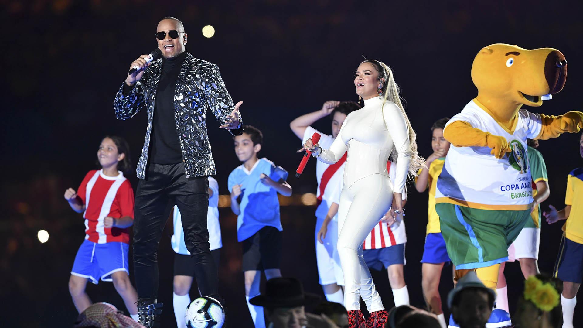 Los músicos Karol Gy Leo Santana fueron las dos grandes figuras del evento